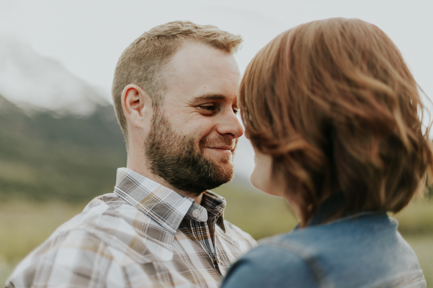 waterton-photographer-love-and-be-loved-photograph-mountain-engagement-luc-megan-picture-iamge-photo-21.jpg