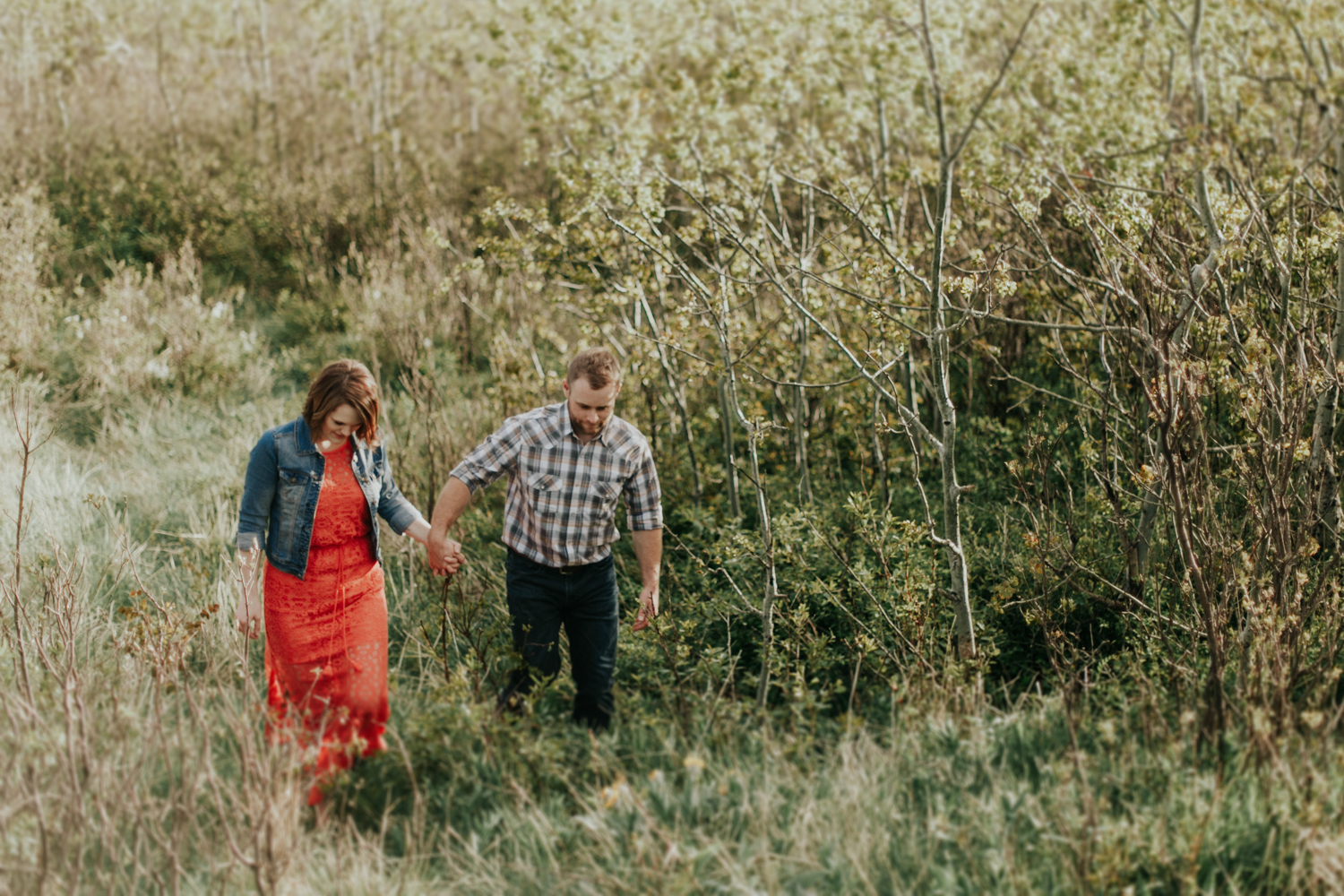 waterton-photographer-love-and-be-loved-photograph-mountain-engagement-luc-megan-picture-iamge-photo-27.jpg