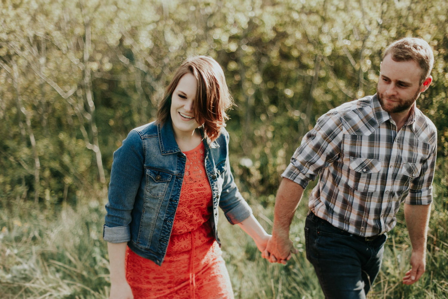 waterton-photographer-love-and-be-loved-photograph-mountain-engagement-luc-megan-picture-iamge-photo-29.jpg