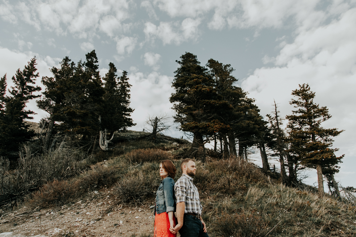 waterton-photographer-love-and-be-loved-photograph-mountain-engagement-luc-megan-picture-iamge-photo-33.jpg