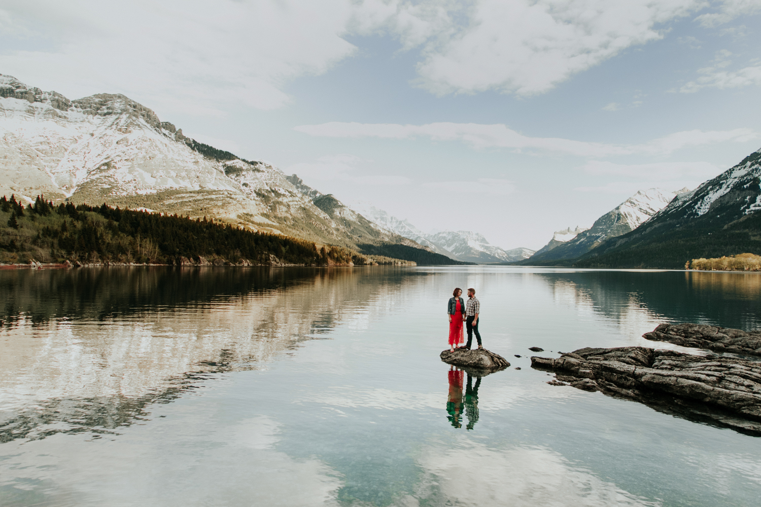 waterton-photographer-love-and-be-loved-photograph-mountain-engagement-luc-megan-picture-iamge-photo-36.jpg