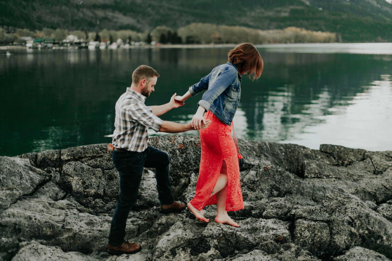 waterton-photographer-love-and-be-loved-photograph-mountain-engagement-luc-megan-picture-iamge-photo-41.jpg
