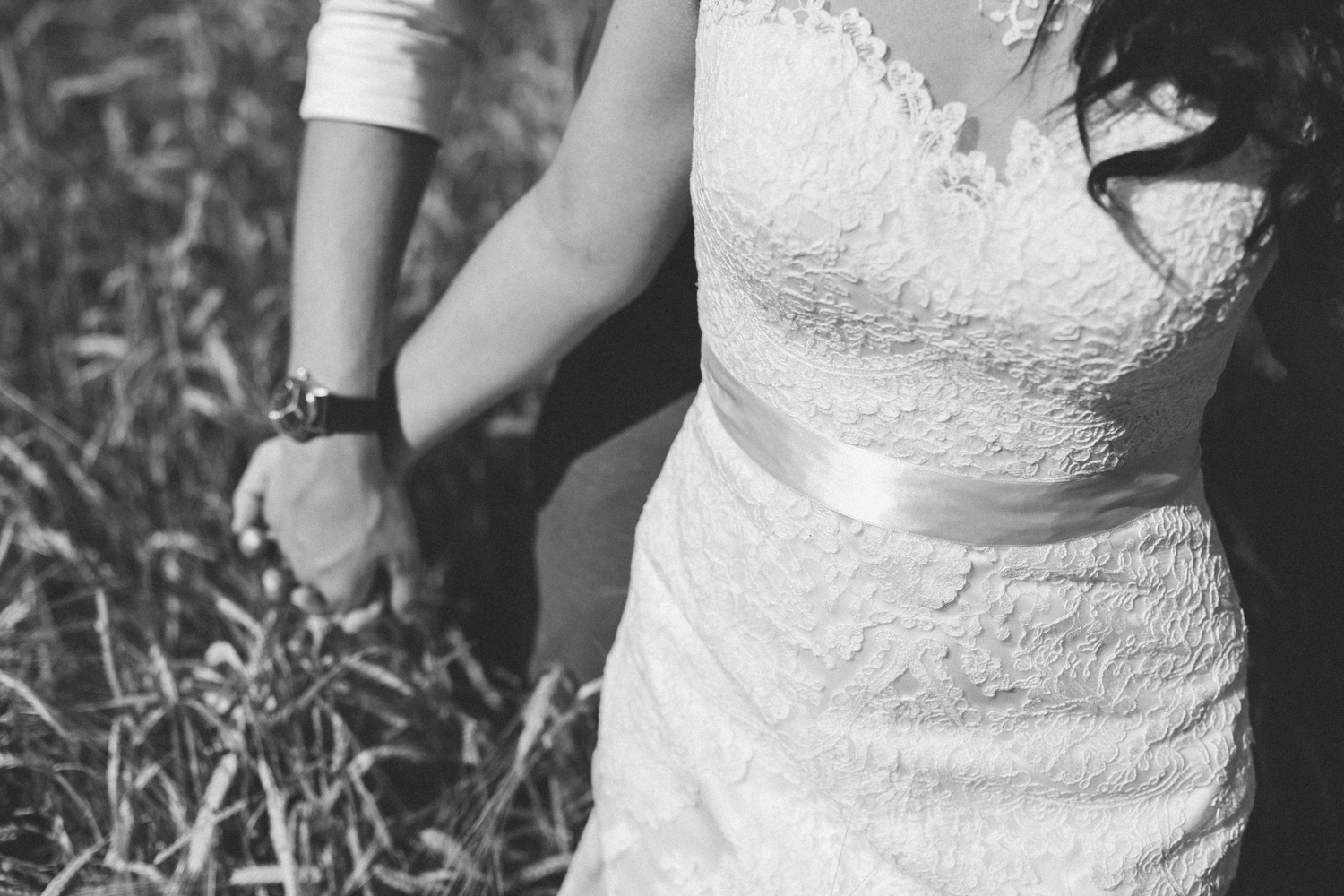 lethbridge-wedding-photography-love-and-be-loved-photographers-ashlin-anne-backyard-wedding-image-picture-photo-320.jpg