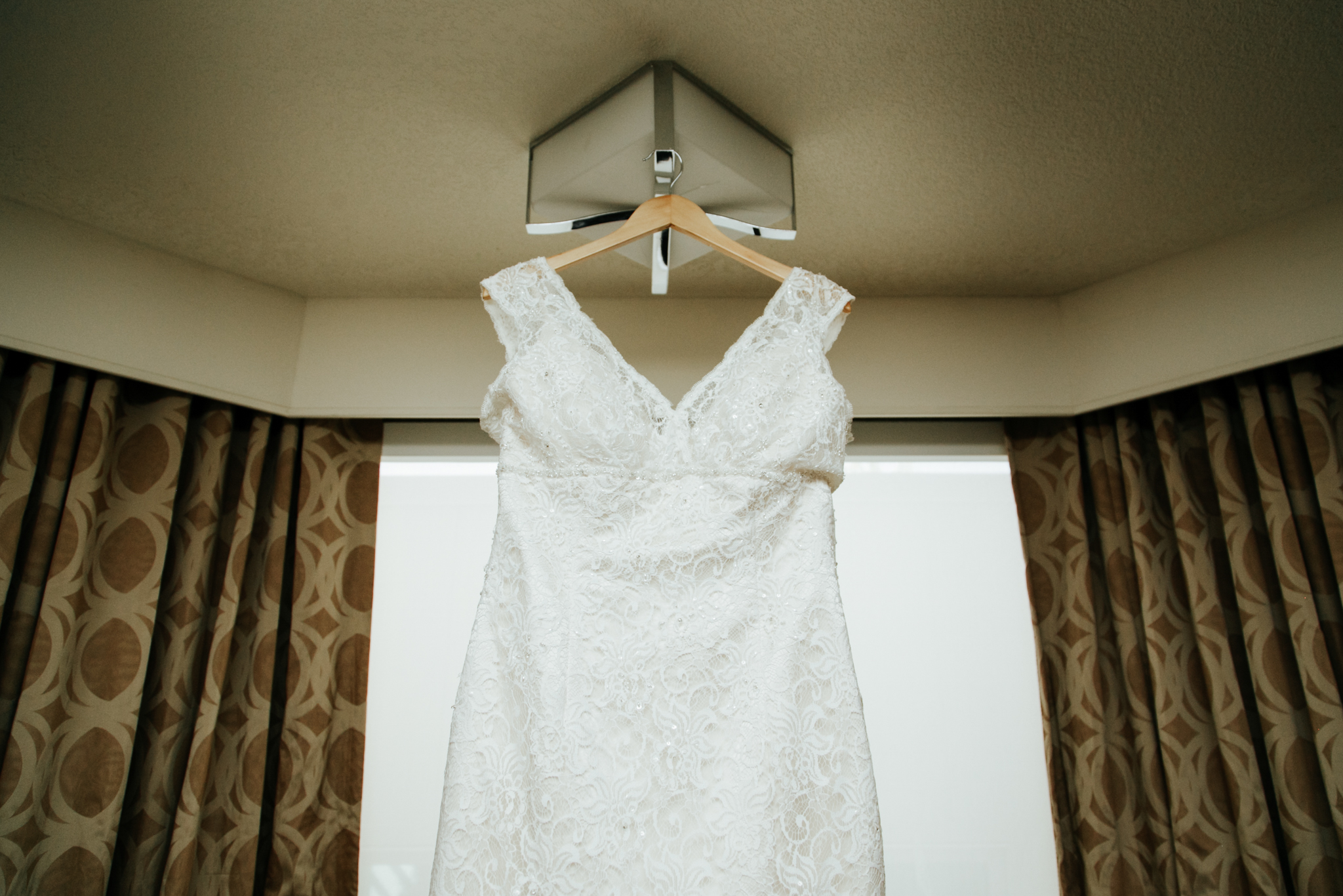 red-deer-wedding-photographer-love-and-be-loved-photography-emily-gab-photo-image-picture-2.jpg