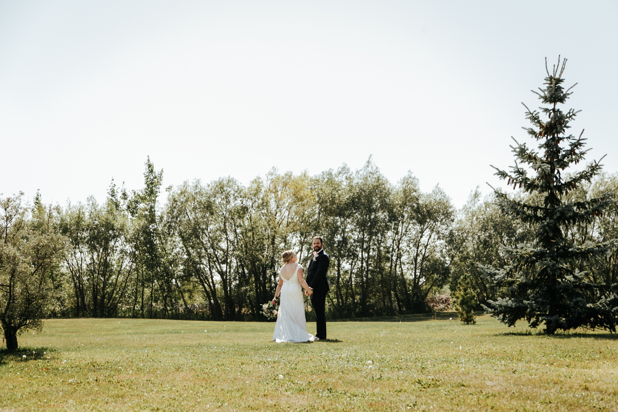 red-deer-wedding-photographer-love-and-be-loved-photography-emily-gab-photo-image-picture-90.jpg