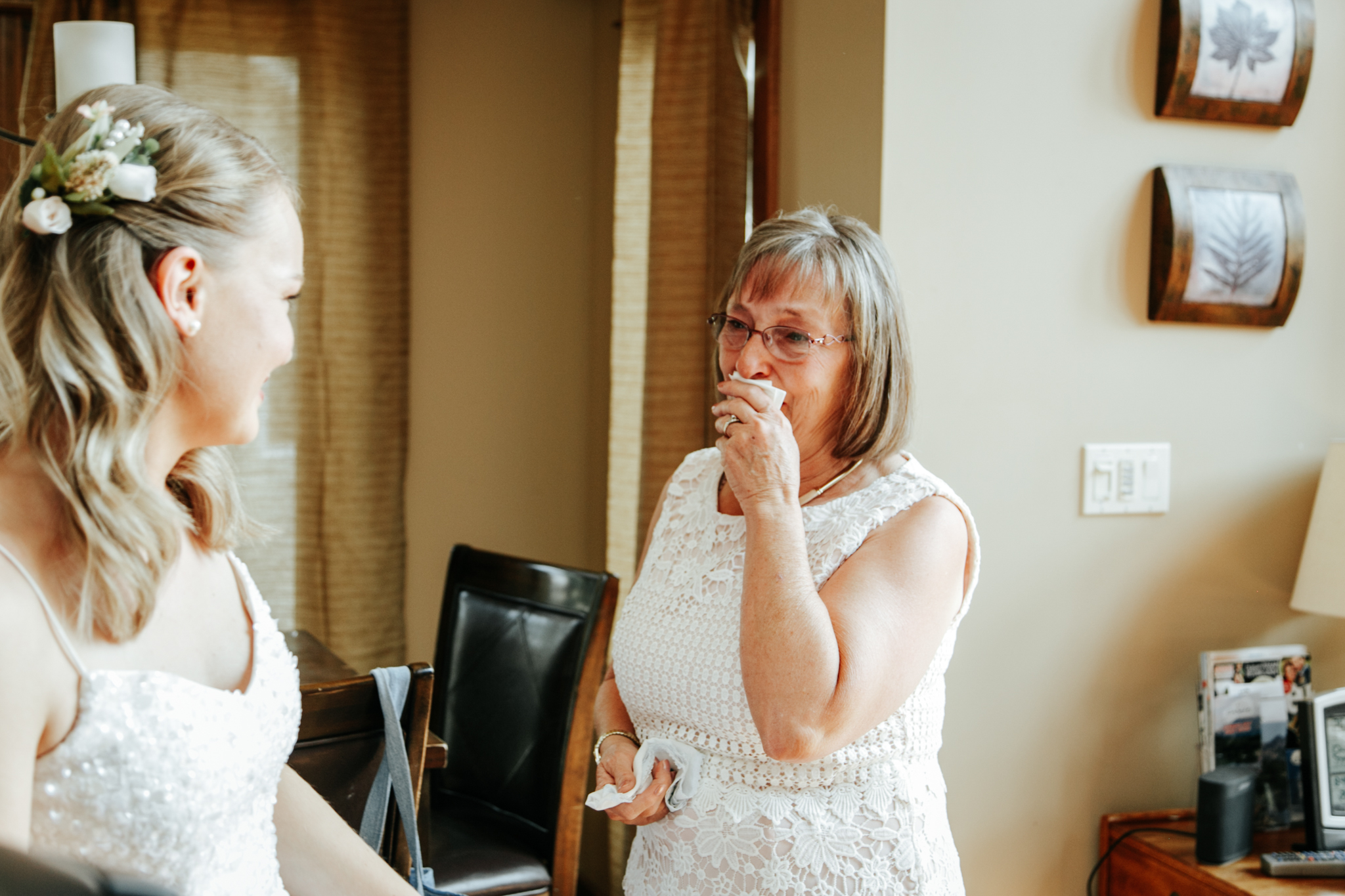 castle-mountain-wedding-photographer-love-and-be-loved-photography-lethbridge-pincher-creek-crowsnest-pass-yannick-rylee-photo-image-picture-26.jpg