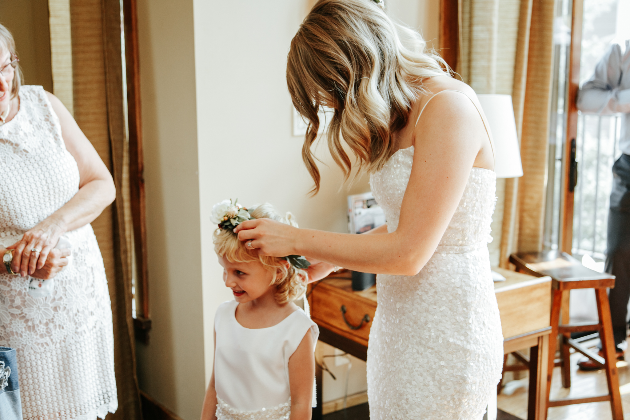 castle-mountain-wedding-photographer-love-and-be-loved-photography-lethbridge-pincher-creek-crowsnest-pass-yannick-rylee-photo-image-picture-27.jpg