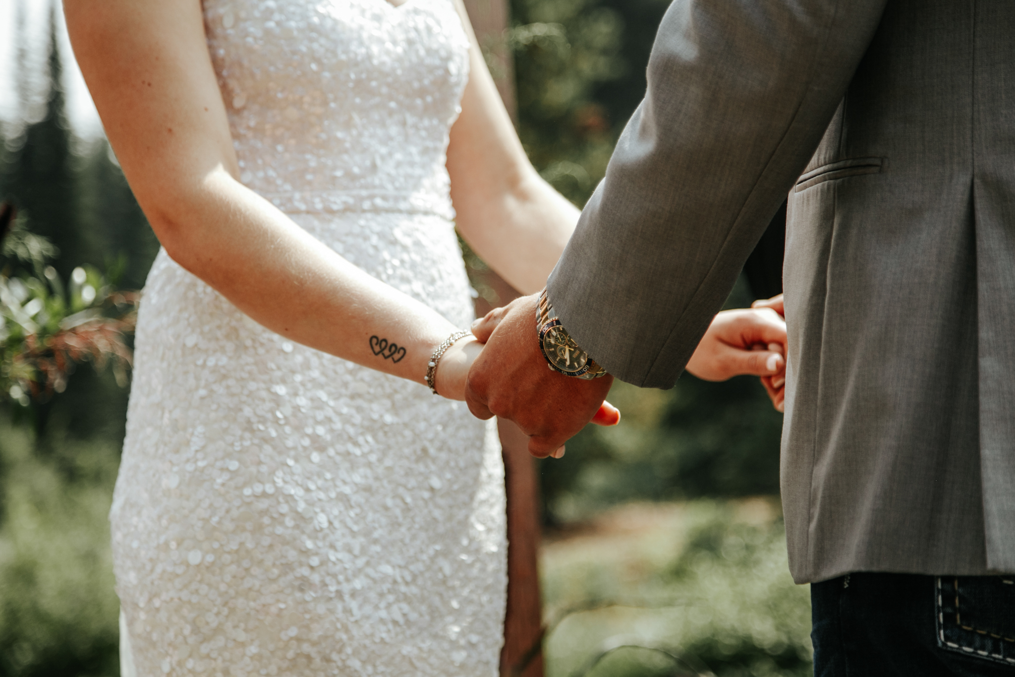 castle-mountain-wedding-photographer-love-and-be-loved-photography-lethbridge-pincher-creek-crowsnest-pass-yannick-rylee-photo-image-picture-70.jpg