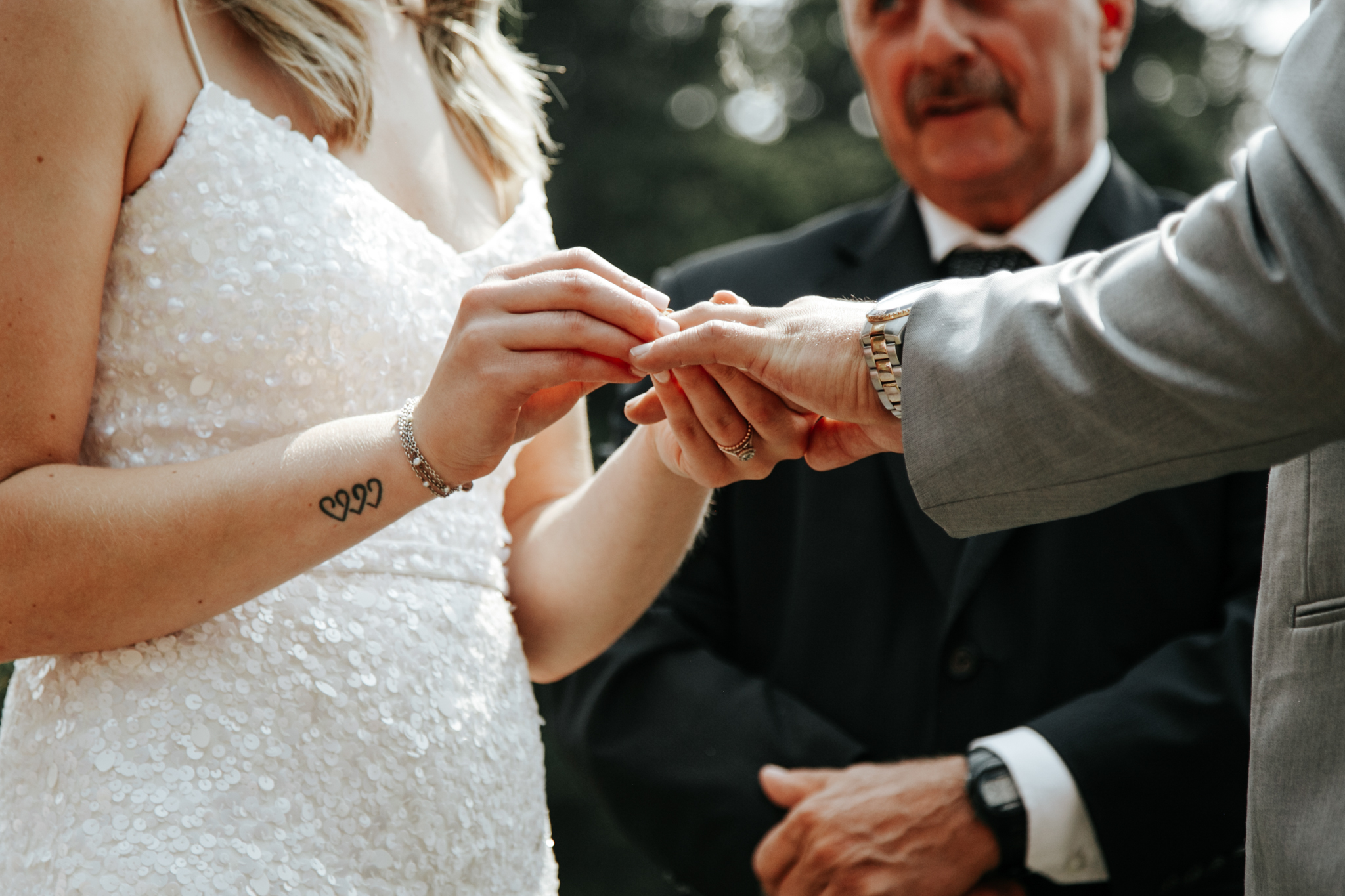 castle-mountain-wedding-photographer-love-and-be-loved-photography-lethbridge-pincher-creek-crowsnest-pass-yannick-rylee-photo-image-picture-77.jpg