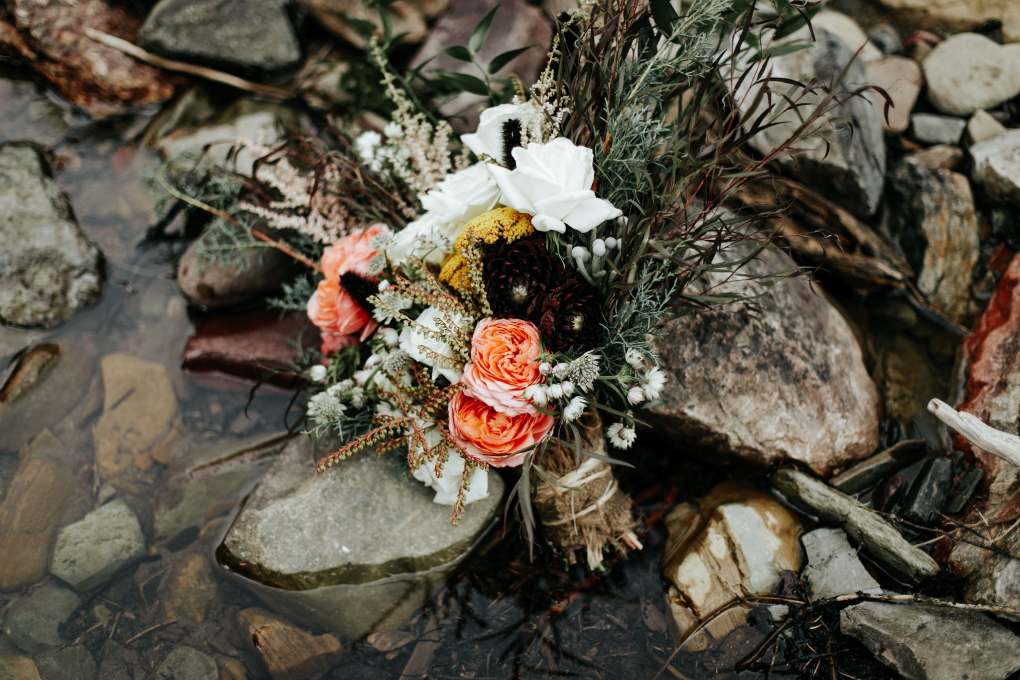 castle-mountain-wedding-photographer-love-and-be-loved-photography-lethbridge-pincher-creek-crowsnest-pass-yannick-rylee-photo-image-picture-133.jpg