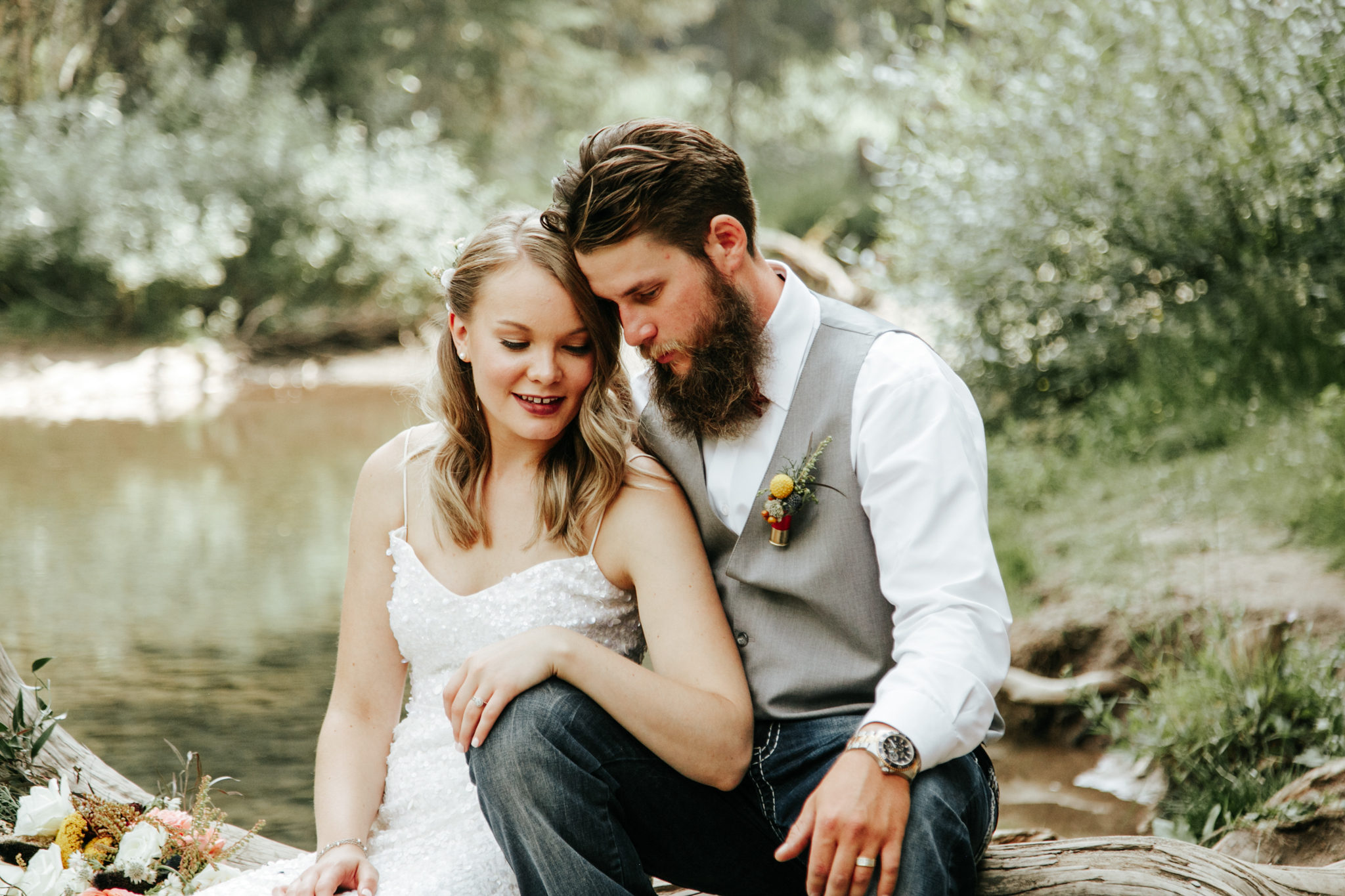 castle-mountain-wedding-photographer-love-and-be-loved-photography-lethbridge-pincher-creek-crowsnest-pass-yannick-rylee-photo-image-picture-142.jpg