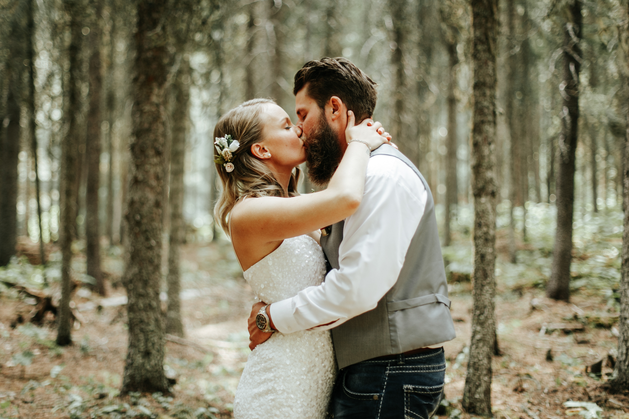castle-mountain-wedding-photographer-love-and-be-loved-photography-lethbridge-pincher-creek-crowsnest-pass-yannick-rylee-photo-image-picture-151.jpg