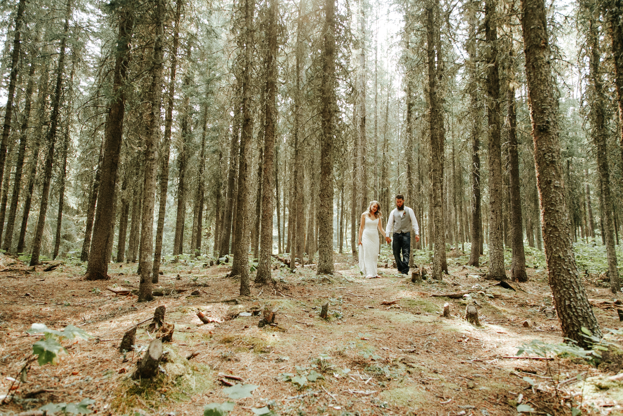 castle-mountain-wedding-photographer-love-and-be-loved-photography-lethbridge-pincher-creek-crowsnest-pass-yannick-rylee-photo-image-picture-152.jpg
