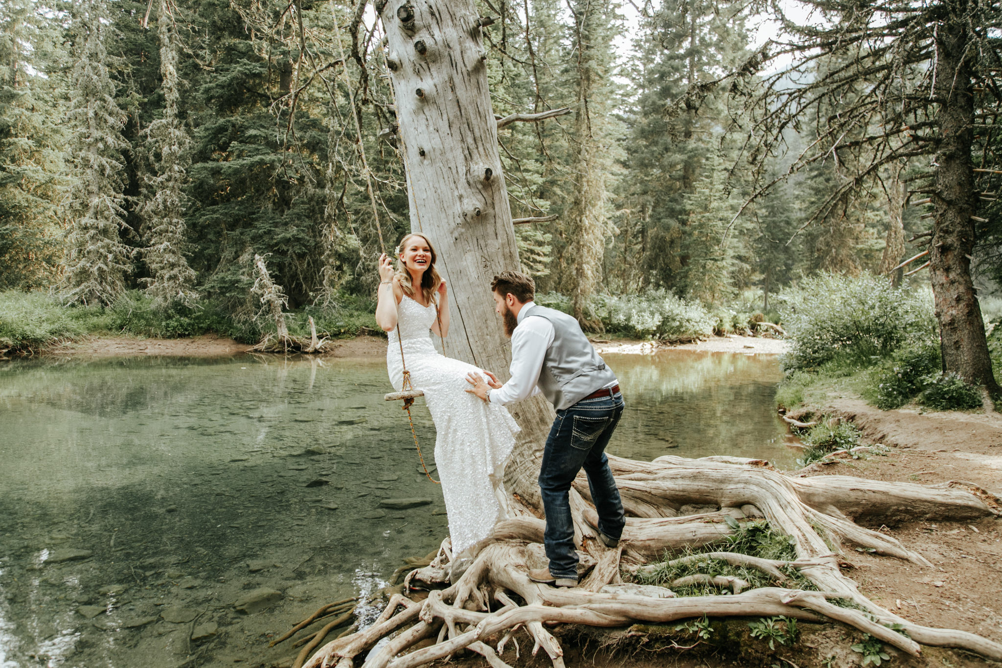 castle-mountain-wedding-photographer-love-and-be-loved-photography-lethbridge-pincher-creek-crowsnest-pass-yannick-rylee-photo-image-picture-155160.jpg