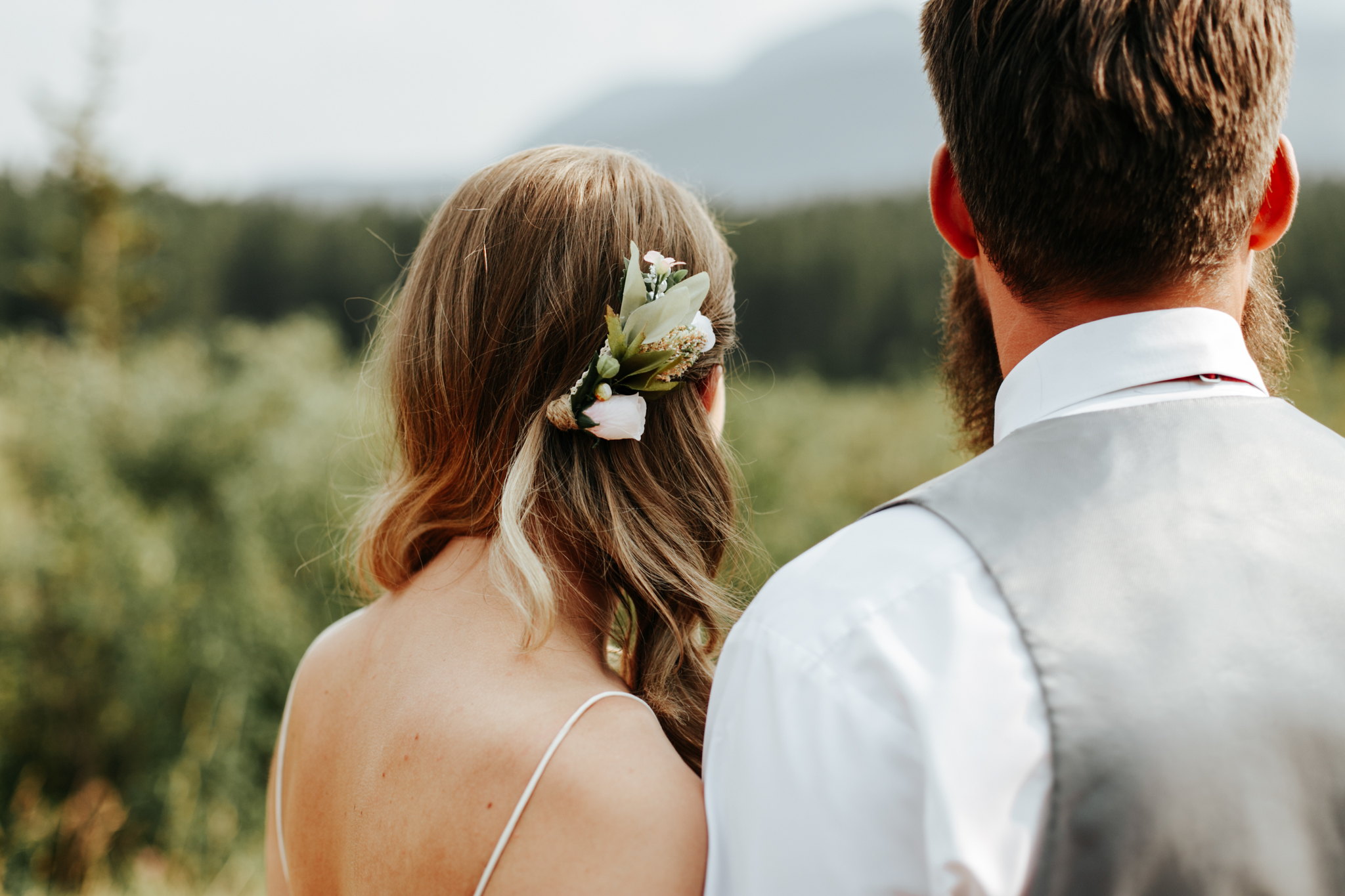 castle-mountain-wedding-photographer-love-and-be-loved-photography-lethbridge-pincher-creek-crowsnest-pass-yannick-rylee-photo-image-picture-155165.jpg
