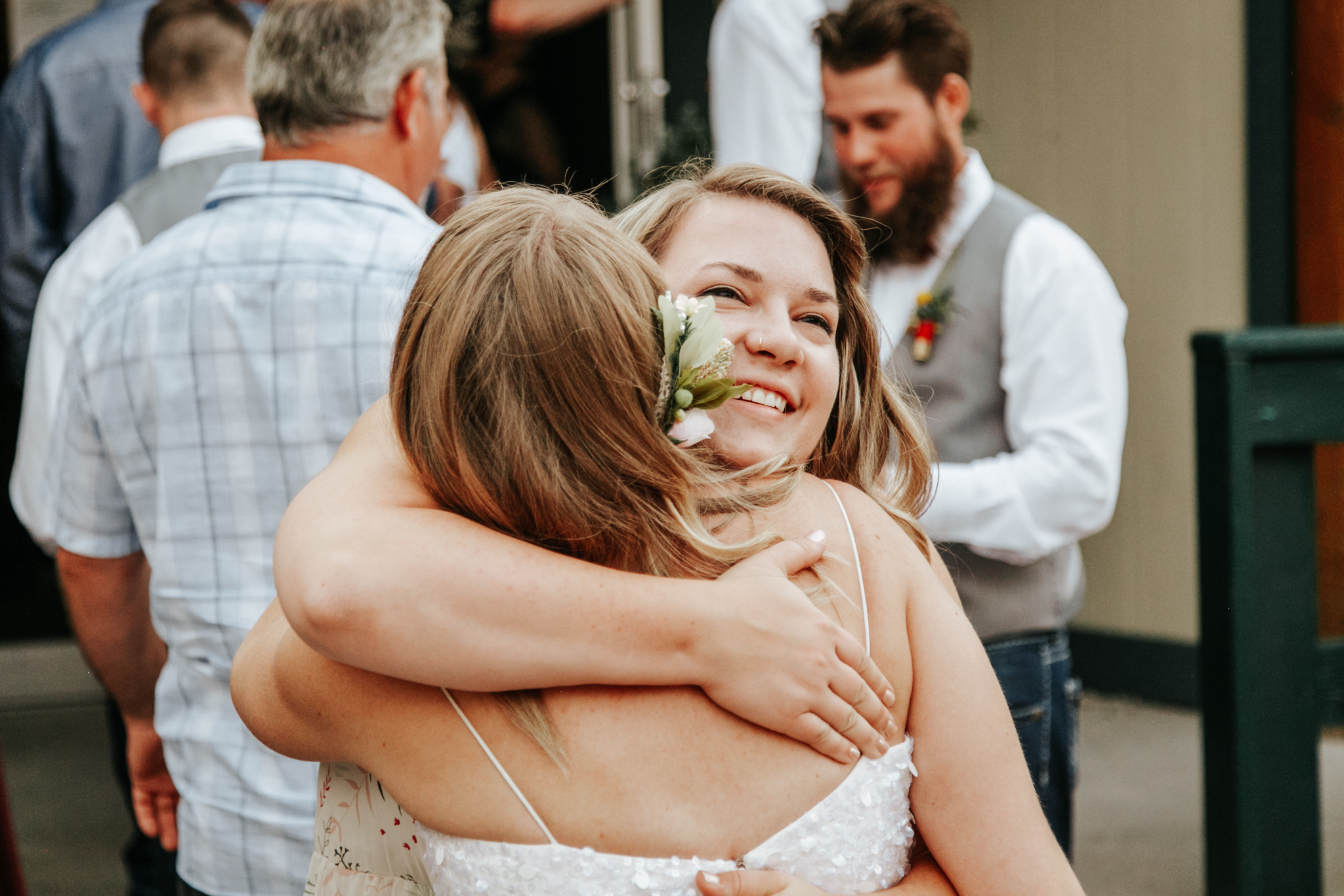 castle-mountain-wedding-photographer-love-and-be-loved-photography-lethbridge-pincher-creek-crowsnest-pass-yannick-rylee-photo-image-picture-155187.jpg