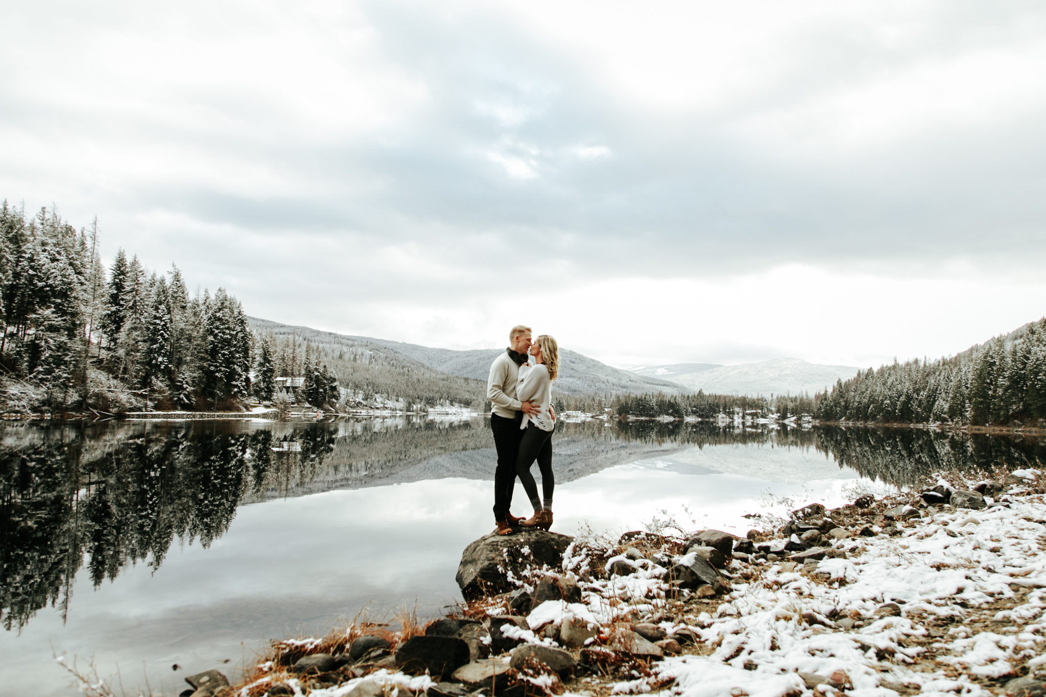 love-and-be-loved-photography-mountain-engagement-ashlyn-rob-perfect-fit-4-u-photo-image-picture-25.jpg