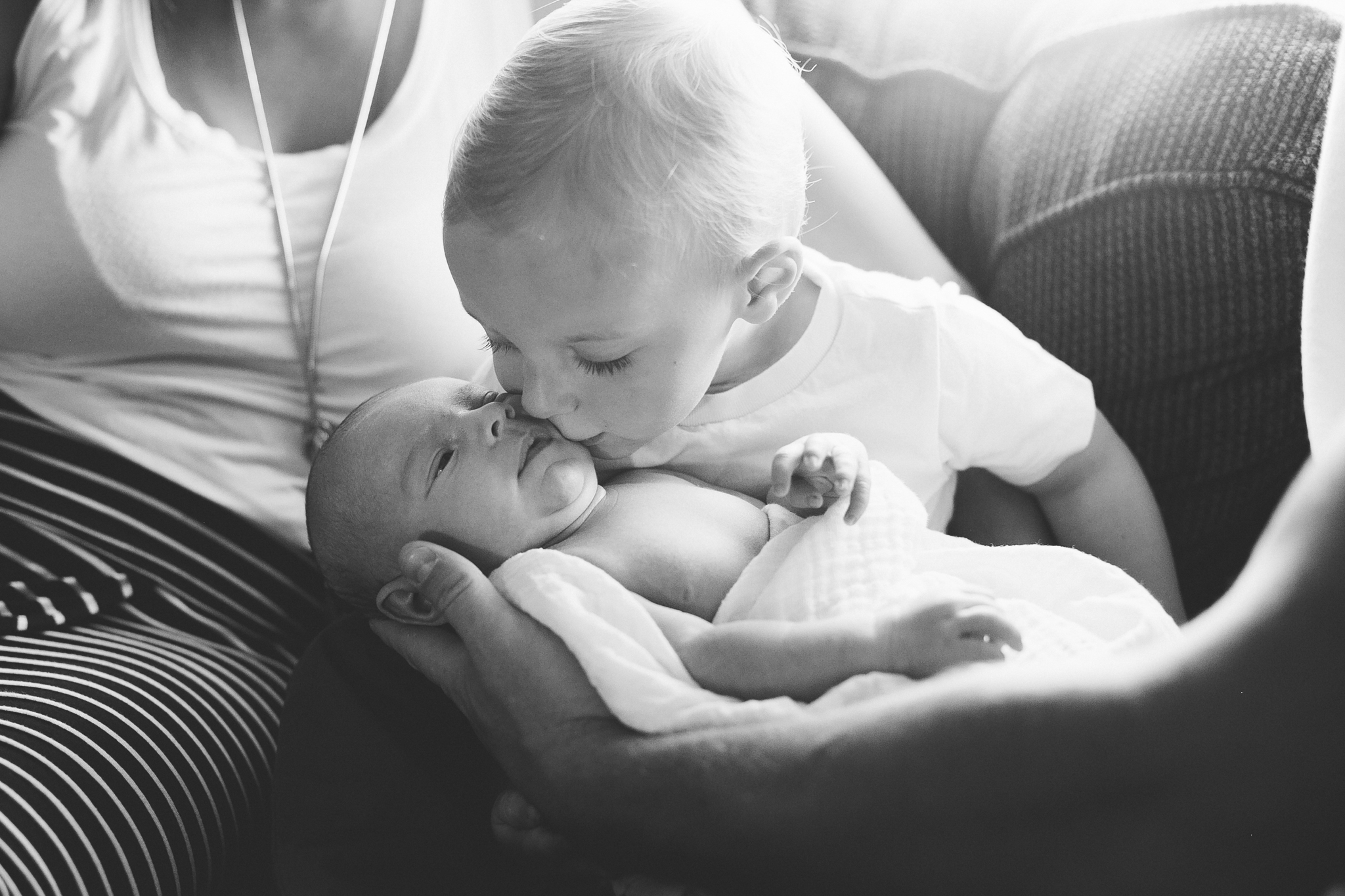 lethbridge-birth-photographer-love-and-be-loved-photography-daxon-newborn-picture-image-photo-26.jpg