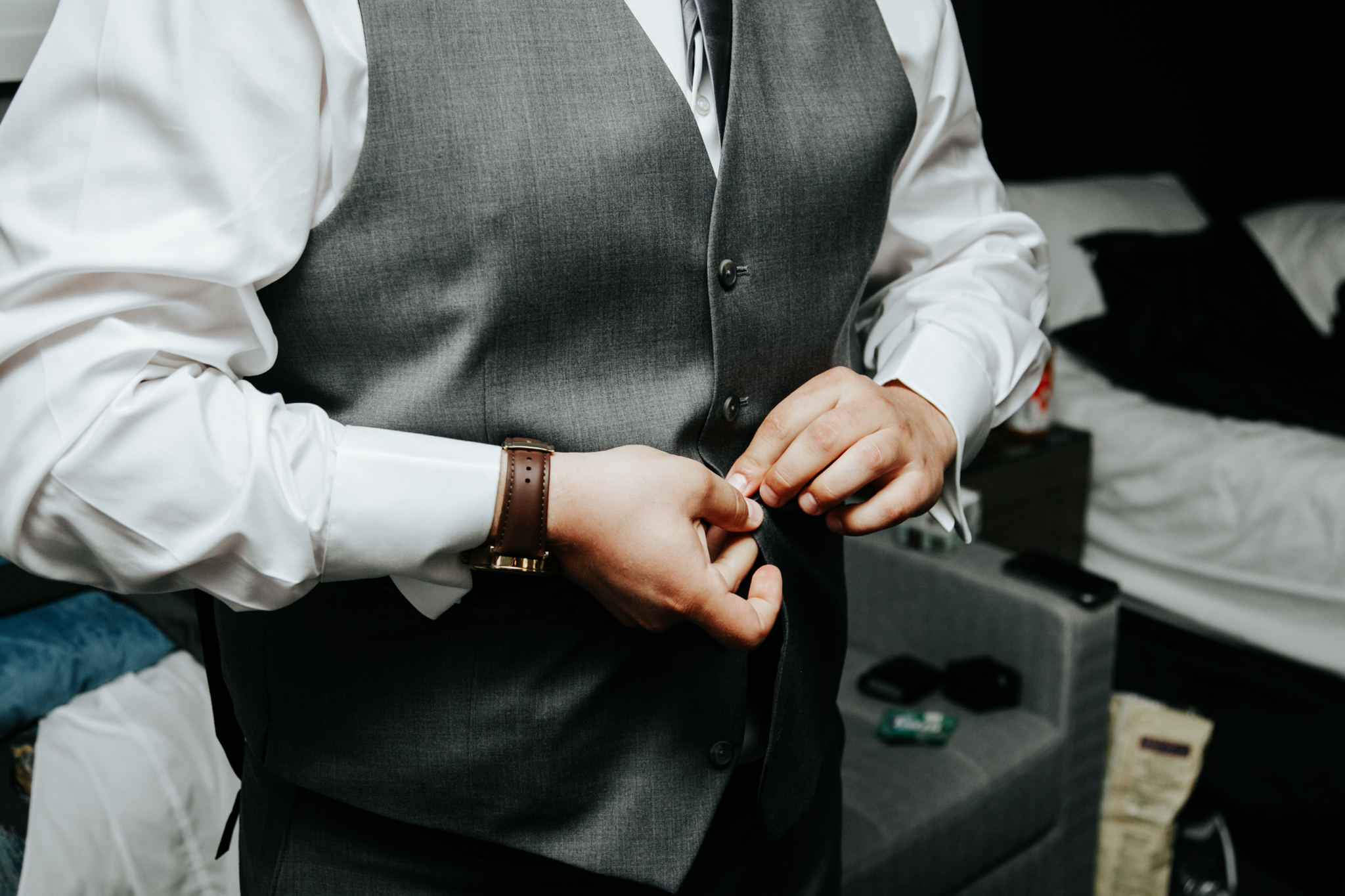 lethbridge-wedding-photographer-love-and-be-loved-photography-trent-danielle-galt-reception-picture-image-photo-13.jpg