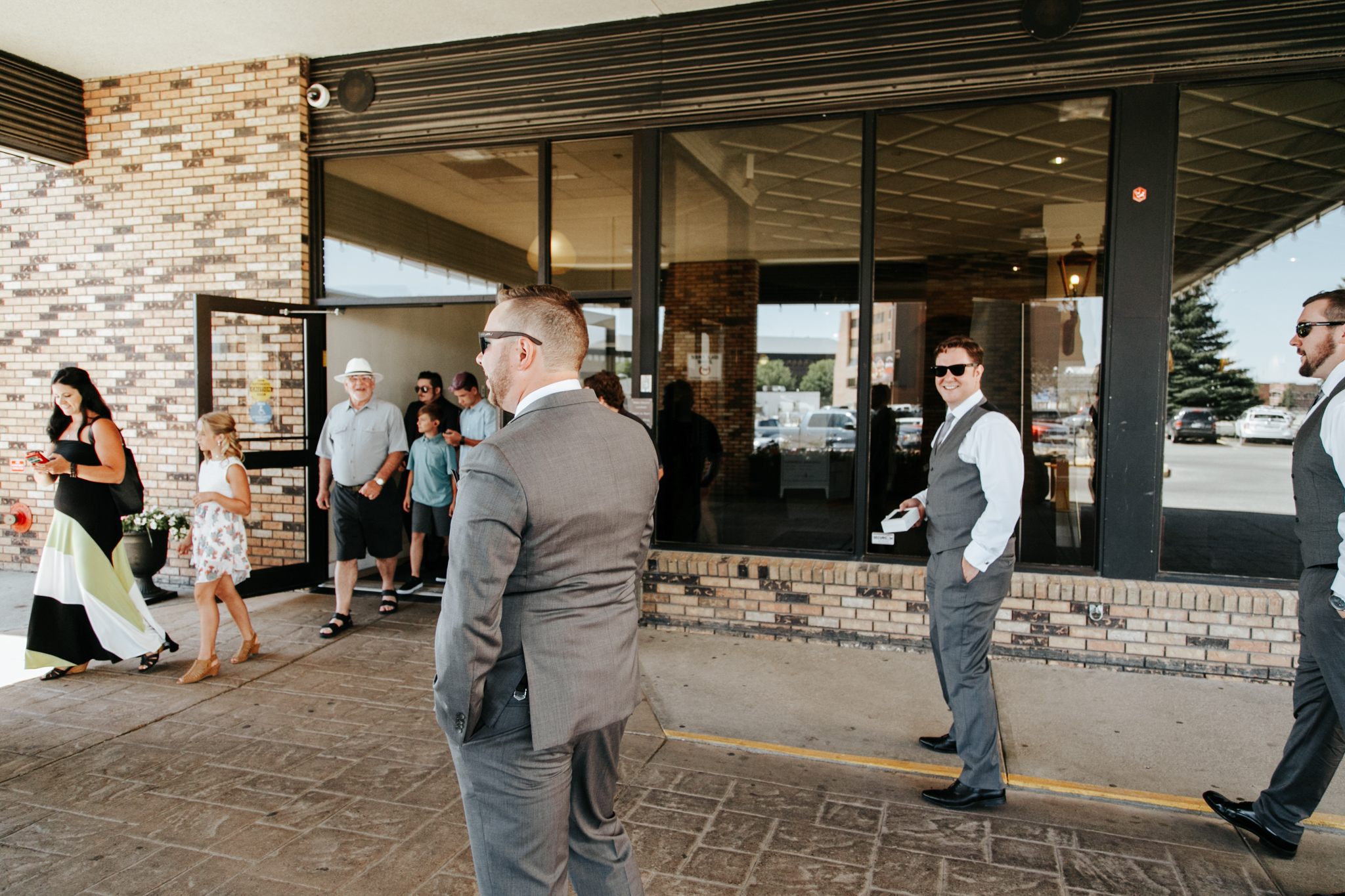 lethbridge-wedding-photographer-love-and-be-loved-photography-trent-danielle-galt-reception-picture-image-photo-19.jpg