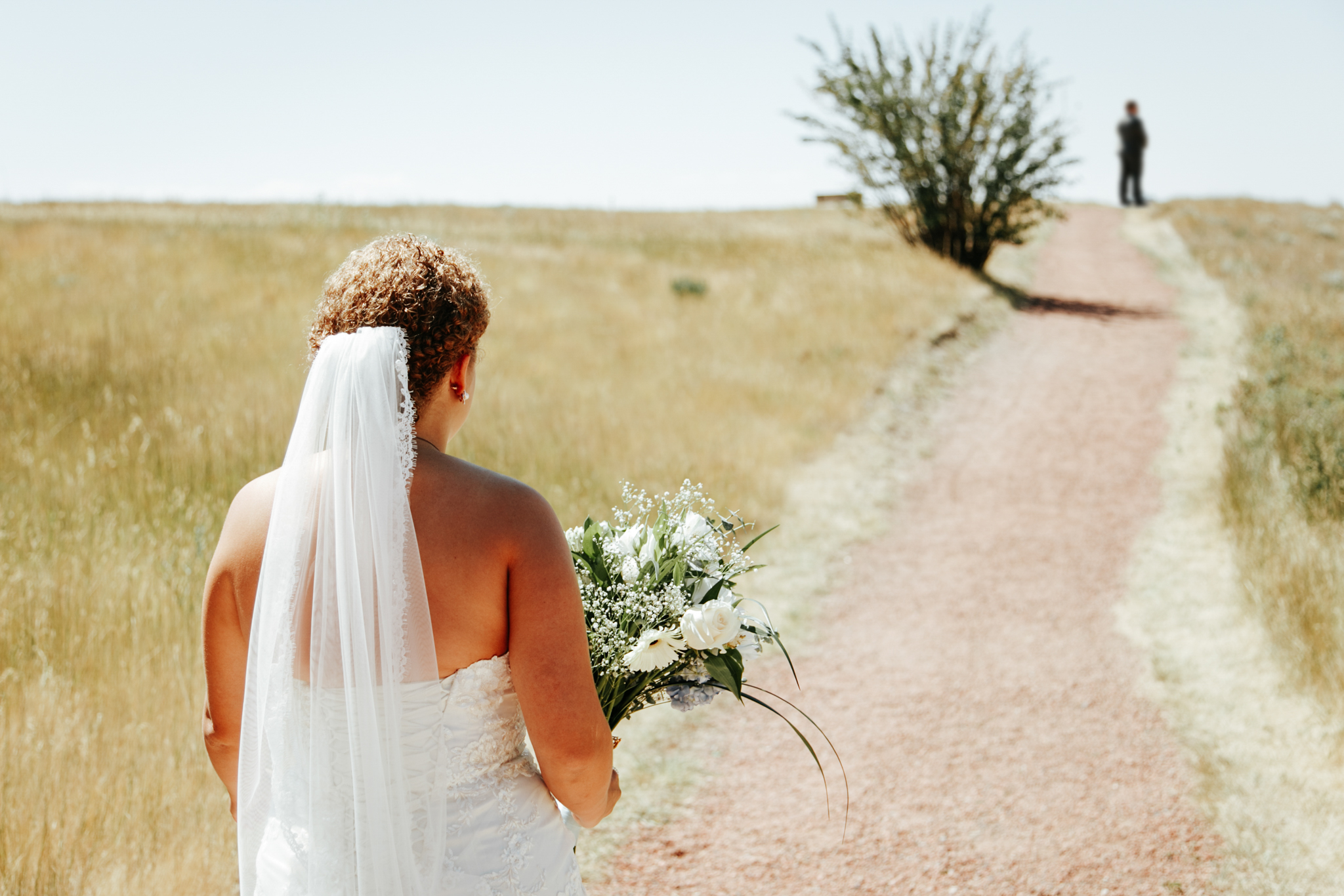 lethbridge-wedding-photographer-love-and-be-loved-photography-trent-danielle-galt-reception-picture-image-photo-23.jpg