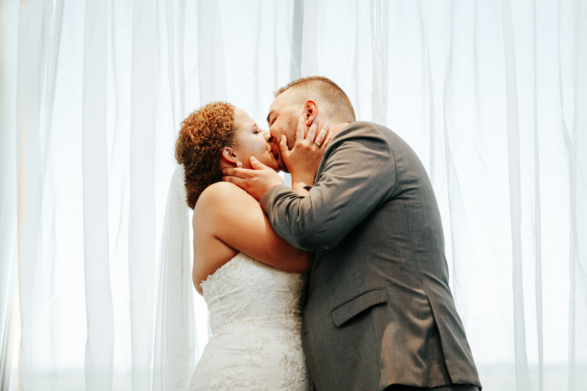 lethbridge-wedding-photographer-love-and-be-loved-photography-trent-danielle-galt-reception-picture-image-photo-56.jpg