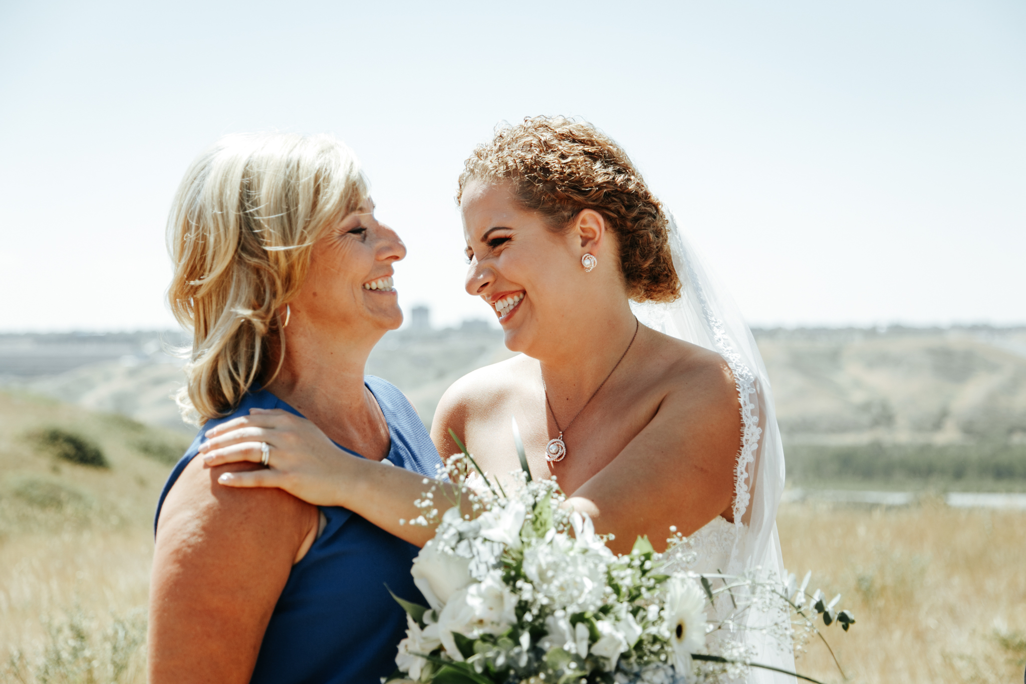lethbridge-wedding-photographer-love-and-be-loved-photography-trent-danielle-galt-reception-picture-image-photo-86.jpg