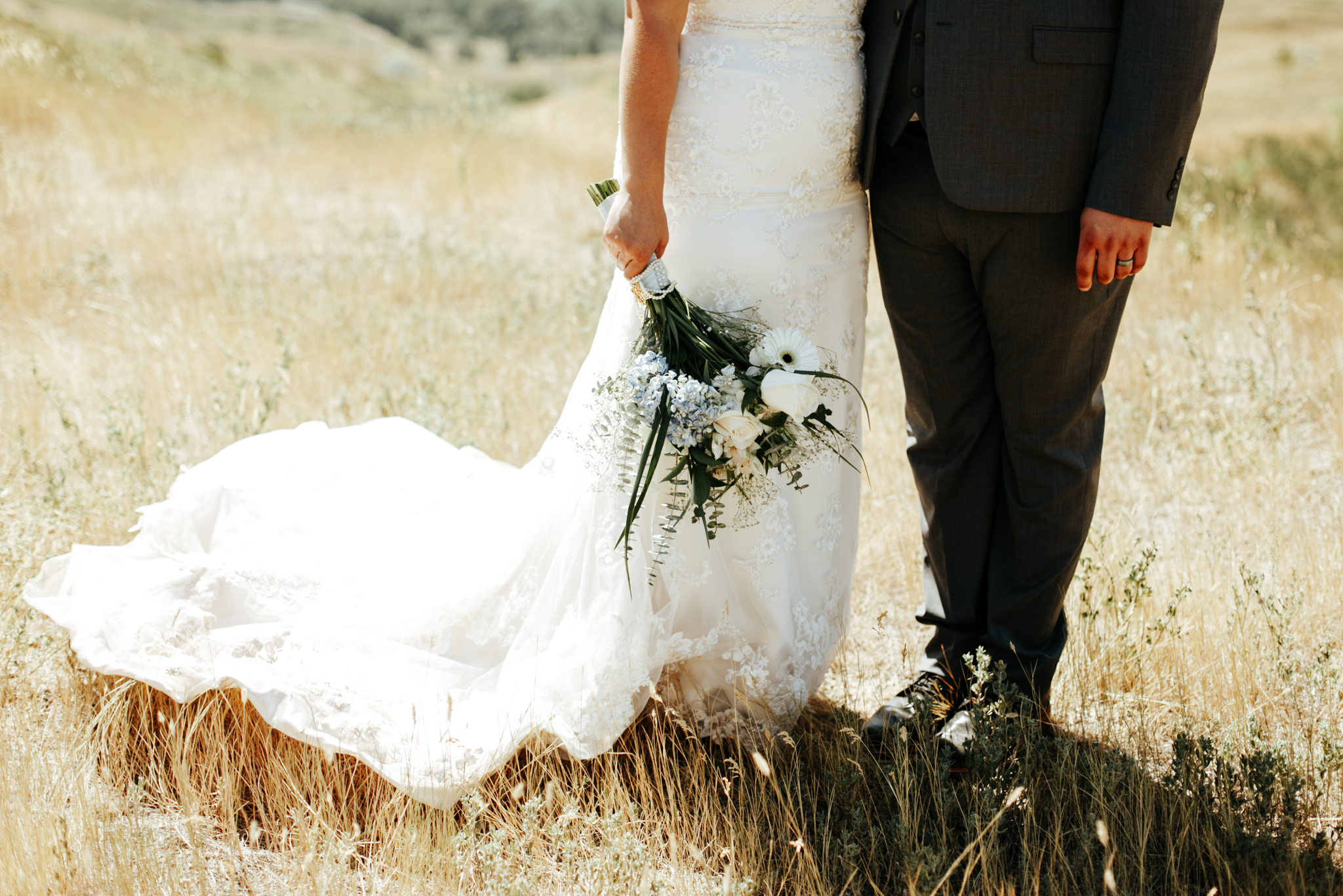 lethbridge-wedding-photographer-love-and-be-loved-photography-trent-danielle-galt-reception-picture-image-photo-95.jpg
