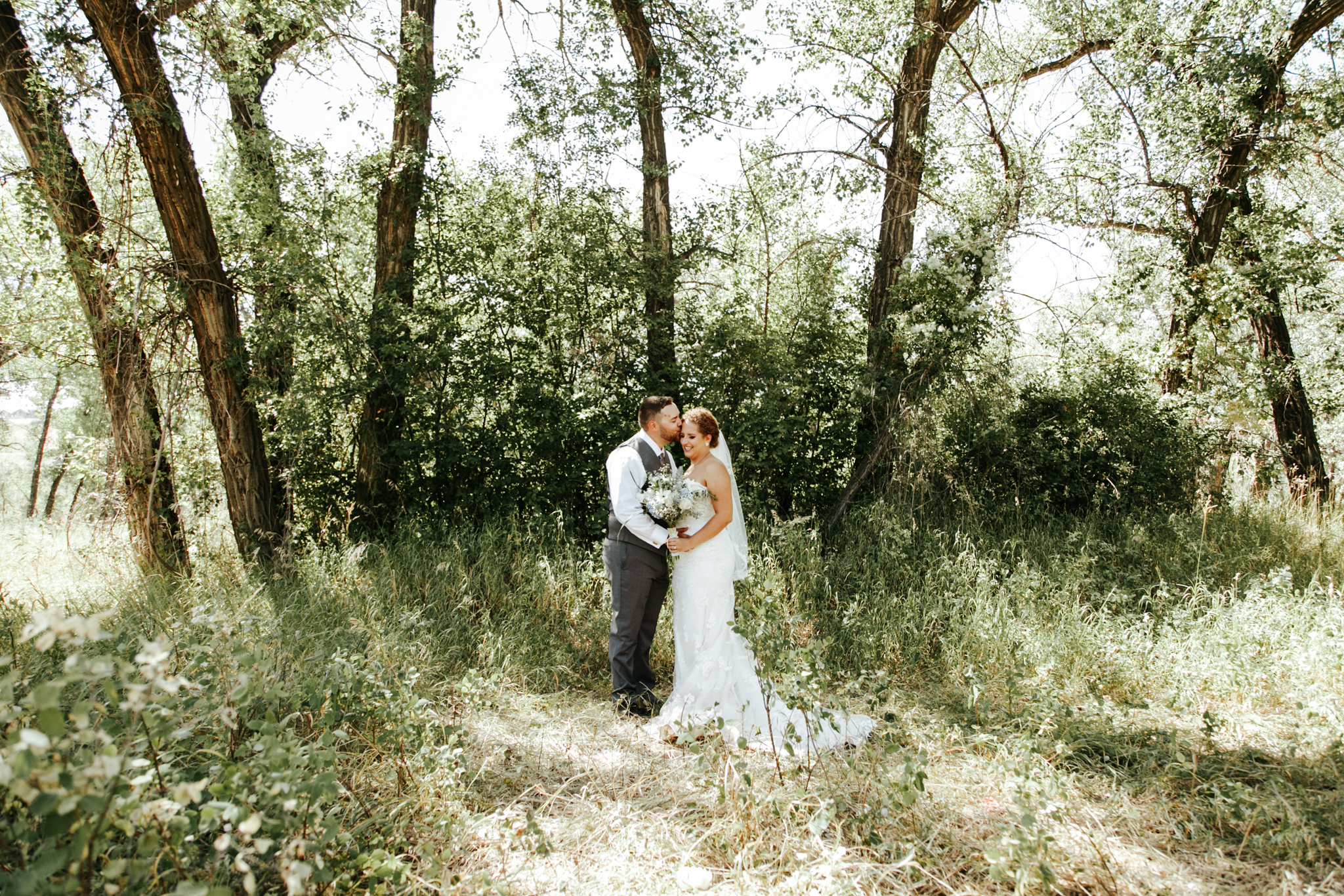 lethbridge-wedding-photographer-love-and-be-loved-photography-trent-danielle-galt-reception-picture-image-photo-114.jpg