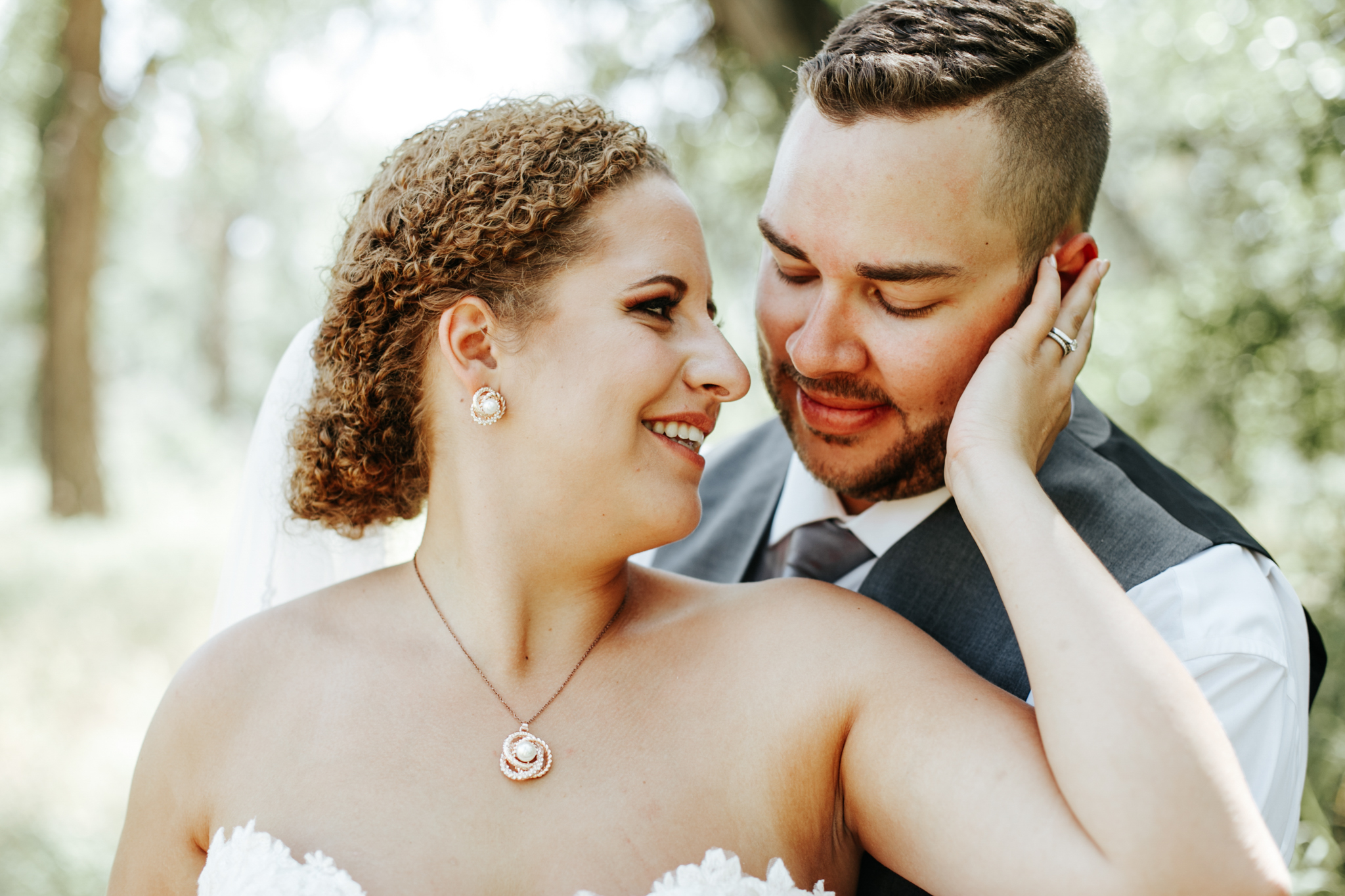 lethbridge-wedding-photographer-love-and-be-loved-photography-trent-danielle-galt-reception-picture-image-photo-118.jpg