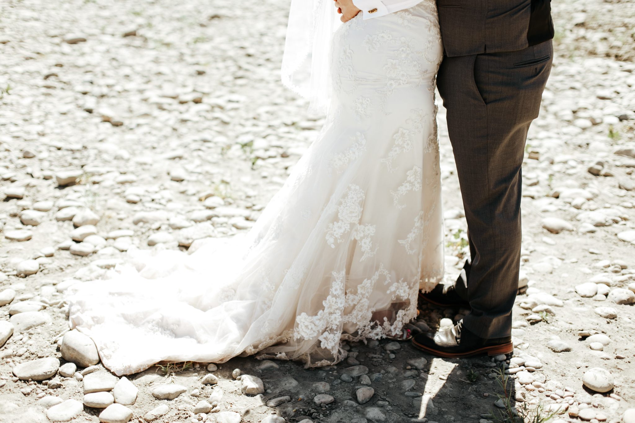 lethbridge-wedding-photographer-love-and-be-loved-photography-trent-danielle-galt-reception-picture-image-photo-126.jpg
