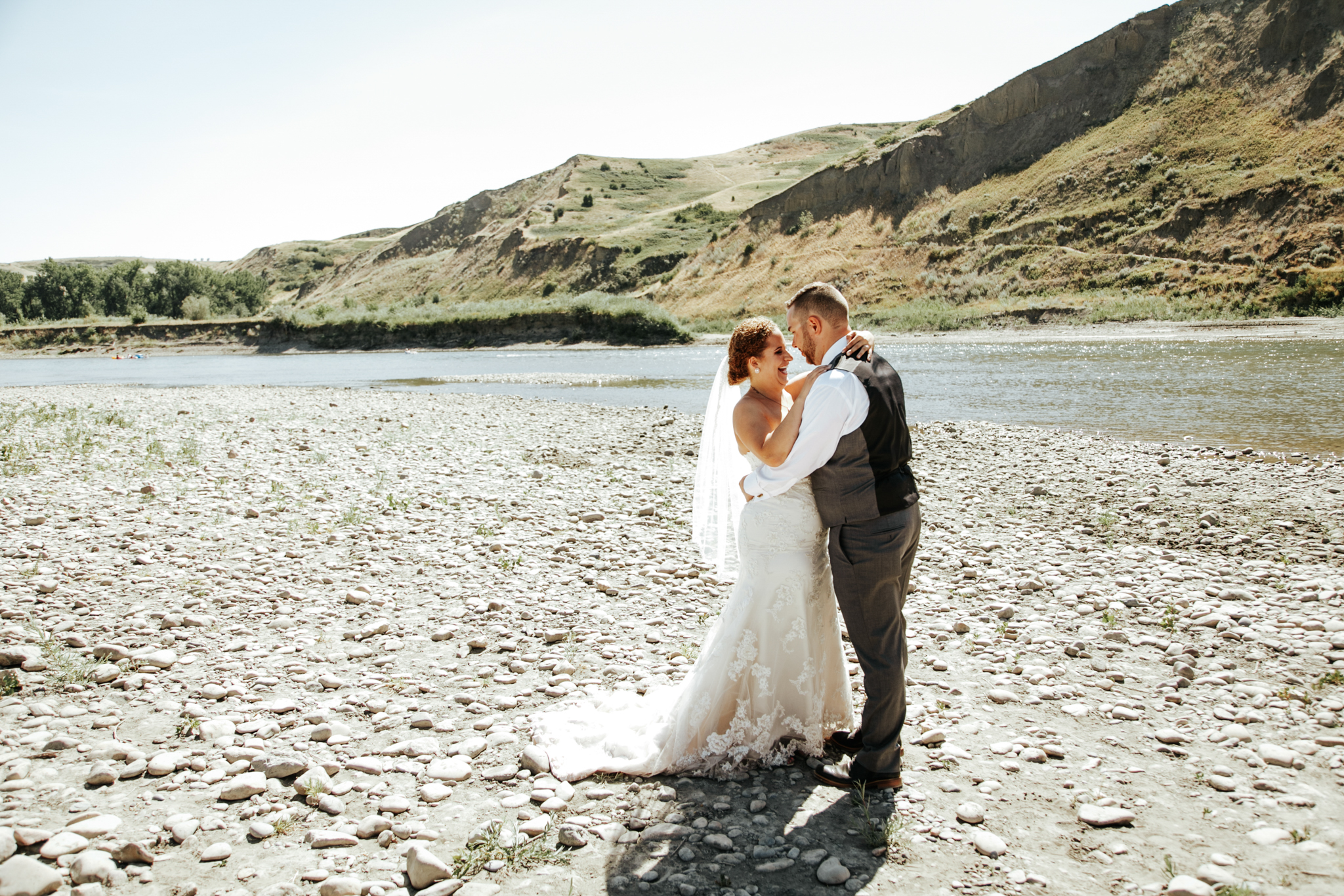 lethbridge-wedding-photographer-love-and-be-loved-photography-trent-danielle-galt-reception-picture-image-photo-127.jpg