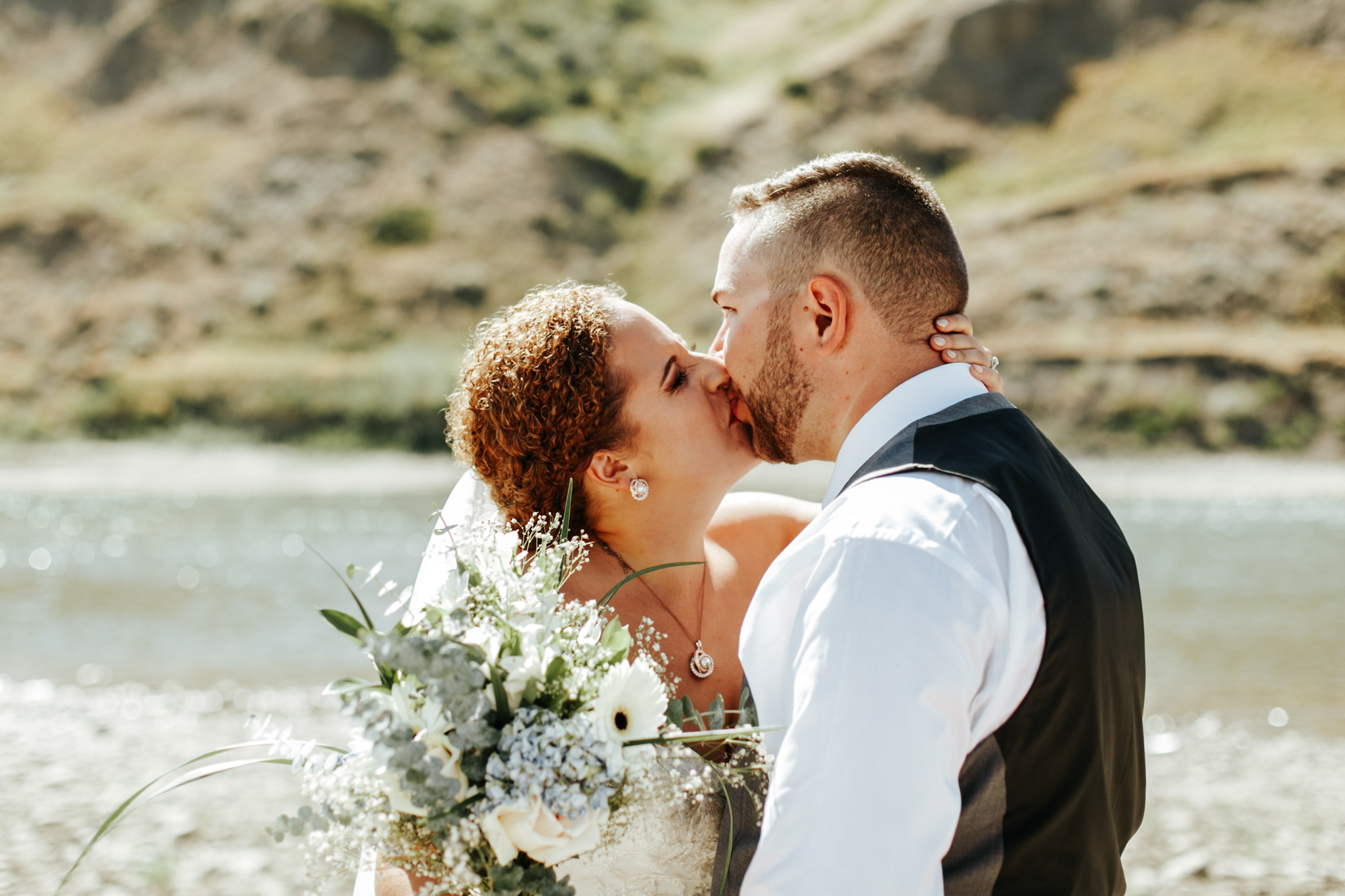 lethbridge-wedding-photographer-love-and-be-loved-photography-trent-danielle-galt-reception-picture-image-photo-129.jpg