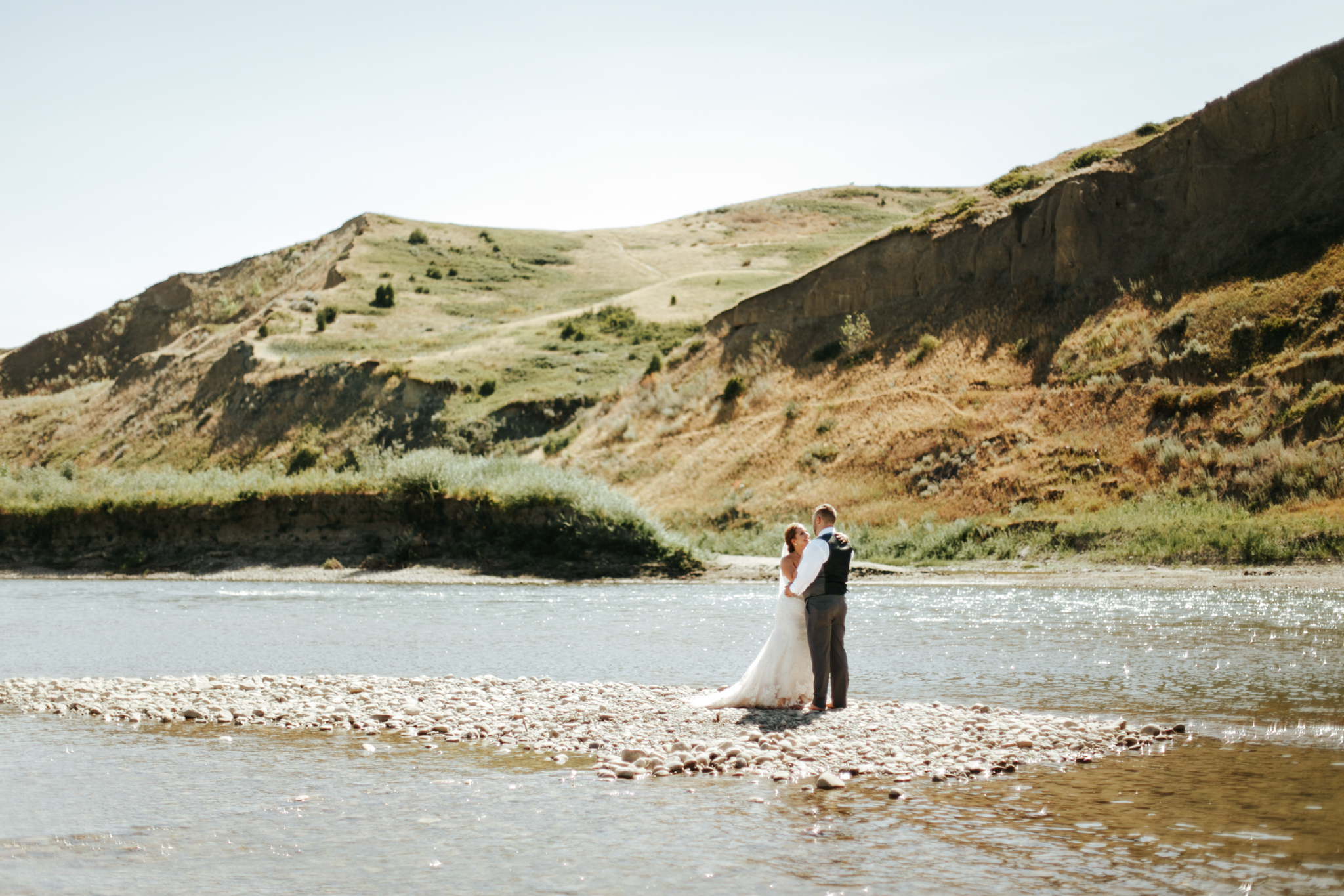lethbridge-wedding-photographer-love-and-be-loved-photography-trent-danielle-galt-reception-picture-image-photo-147.jpg