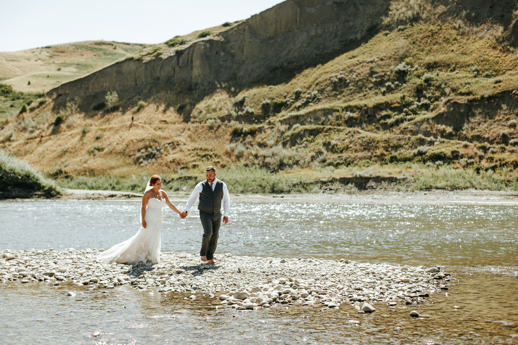 lethbridge-wedding-photographer-love-and-be-loved-photography-trent-danielle-galt-reception-picture-image-photo-149.jpg