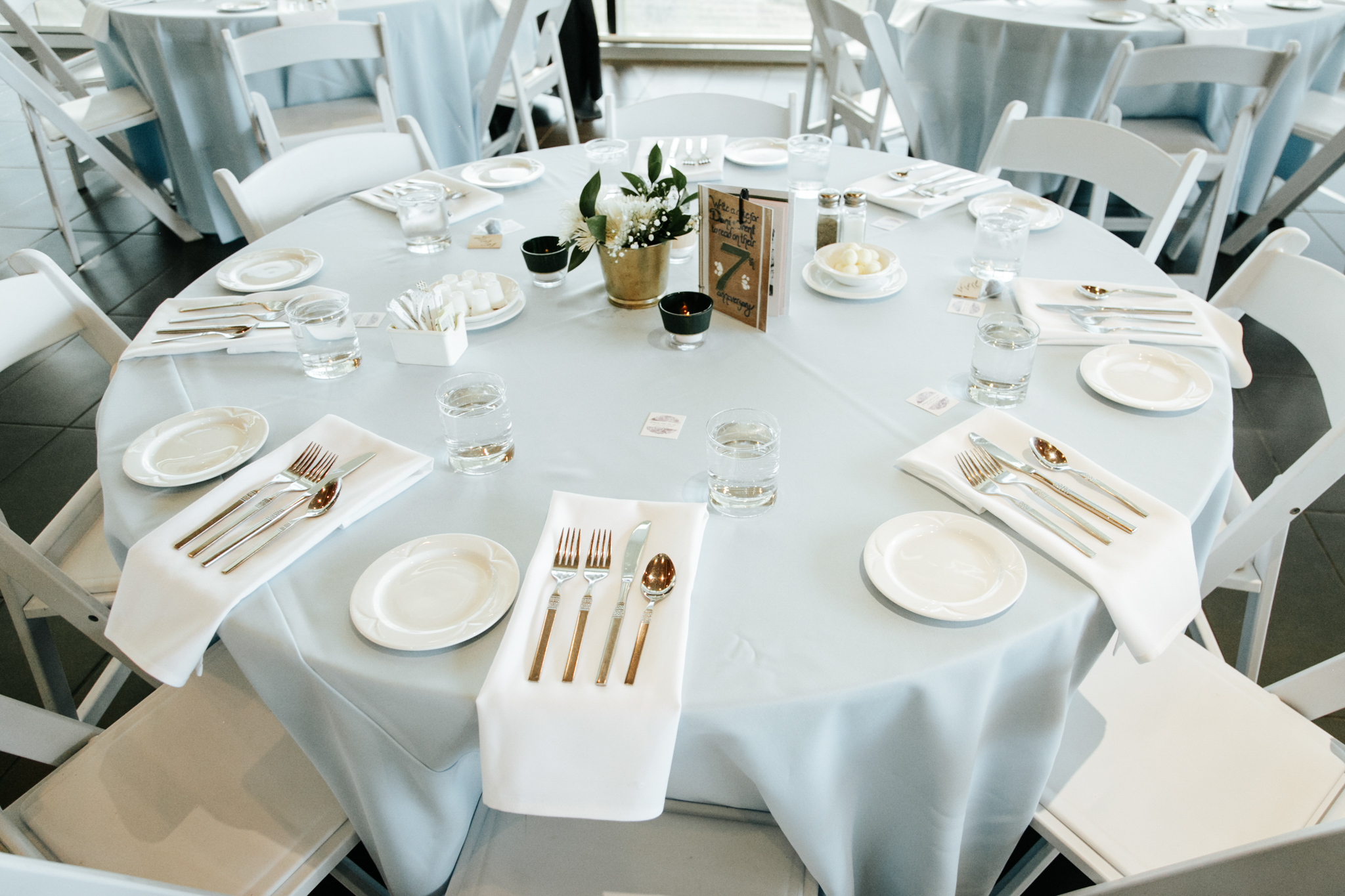 lethbridge-wedding-photographer-love-and-be-loved-photography-trent-danielle-galt-reception-picture-image-photo-159.jpg