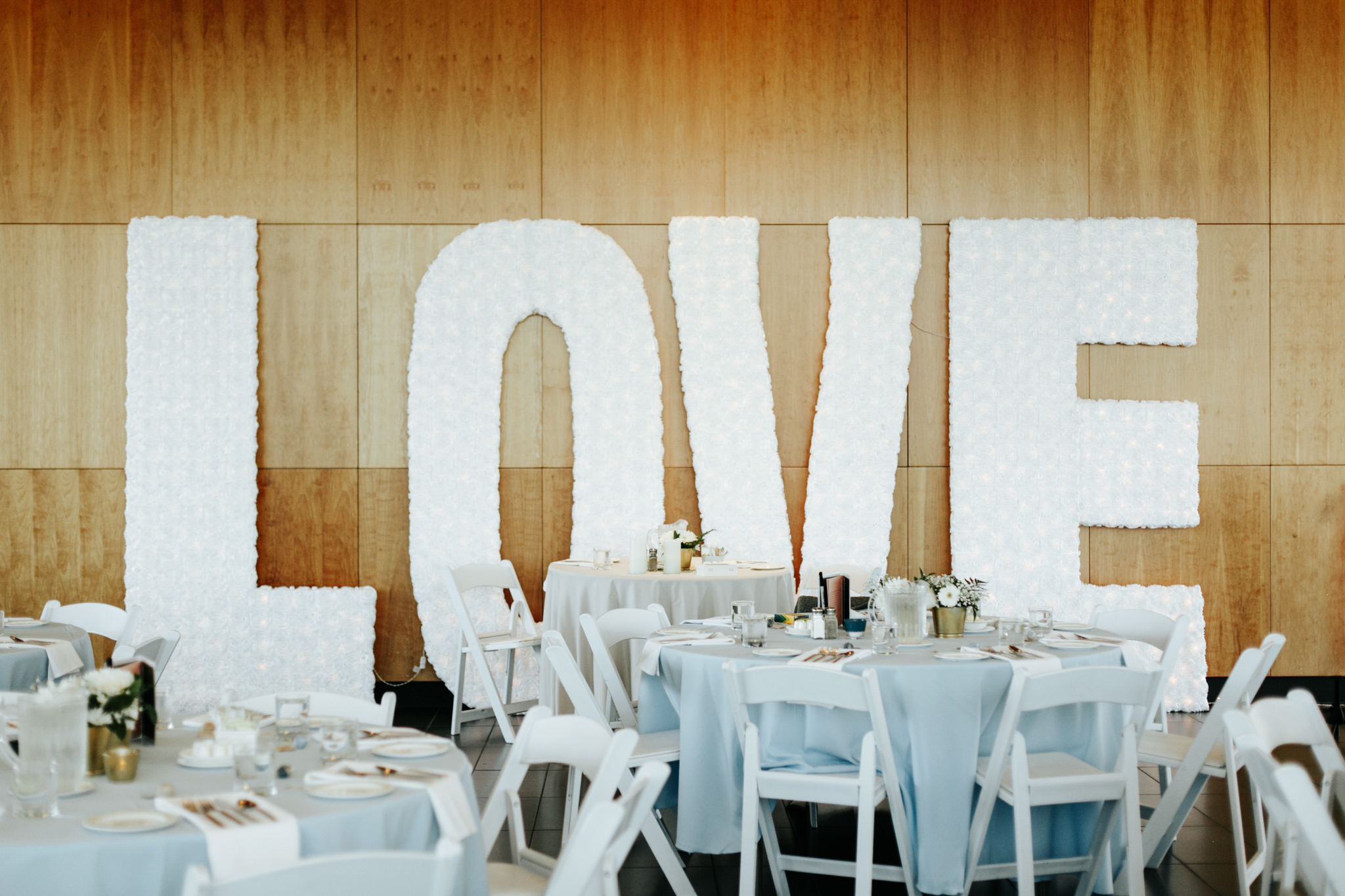 lethbridge-wedding-photographer-love-and-be-loved-photography-trent-danielle-galt-reception-picture-image-photo-162.jpg
