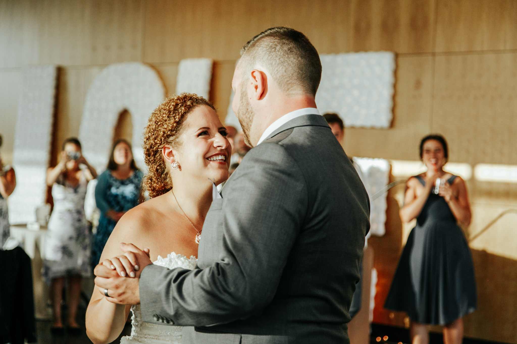 lethbridge-wedding-photographer-love-and-be-loved-photography-trent-danielle-galt-reception-picture-image-photo-201.jpg