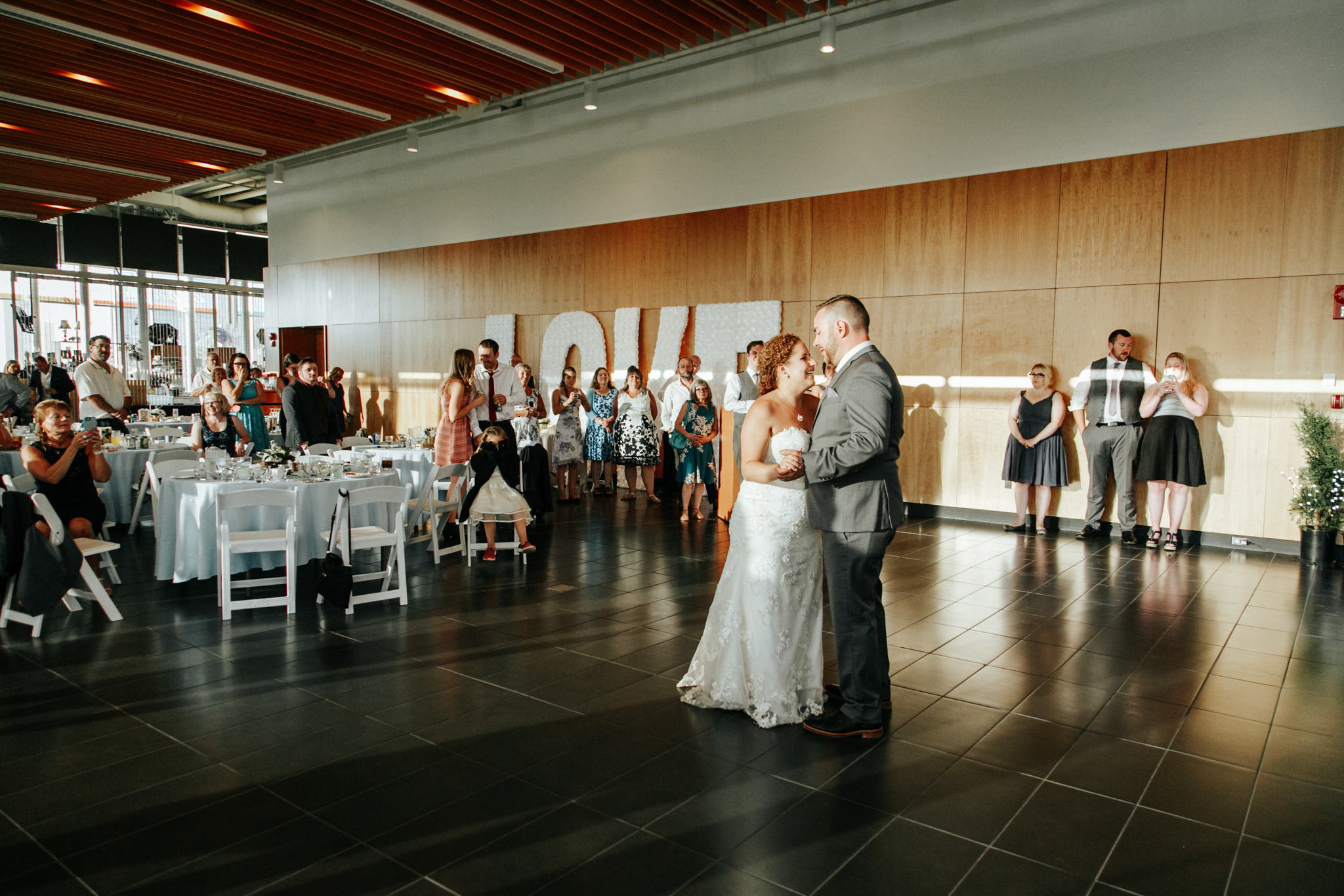 lethbridge-wedding-photographer-love-and-be-loved-photography-trent-danielle-galt-reception-picture-image-photo-203.jpg