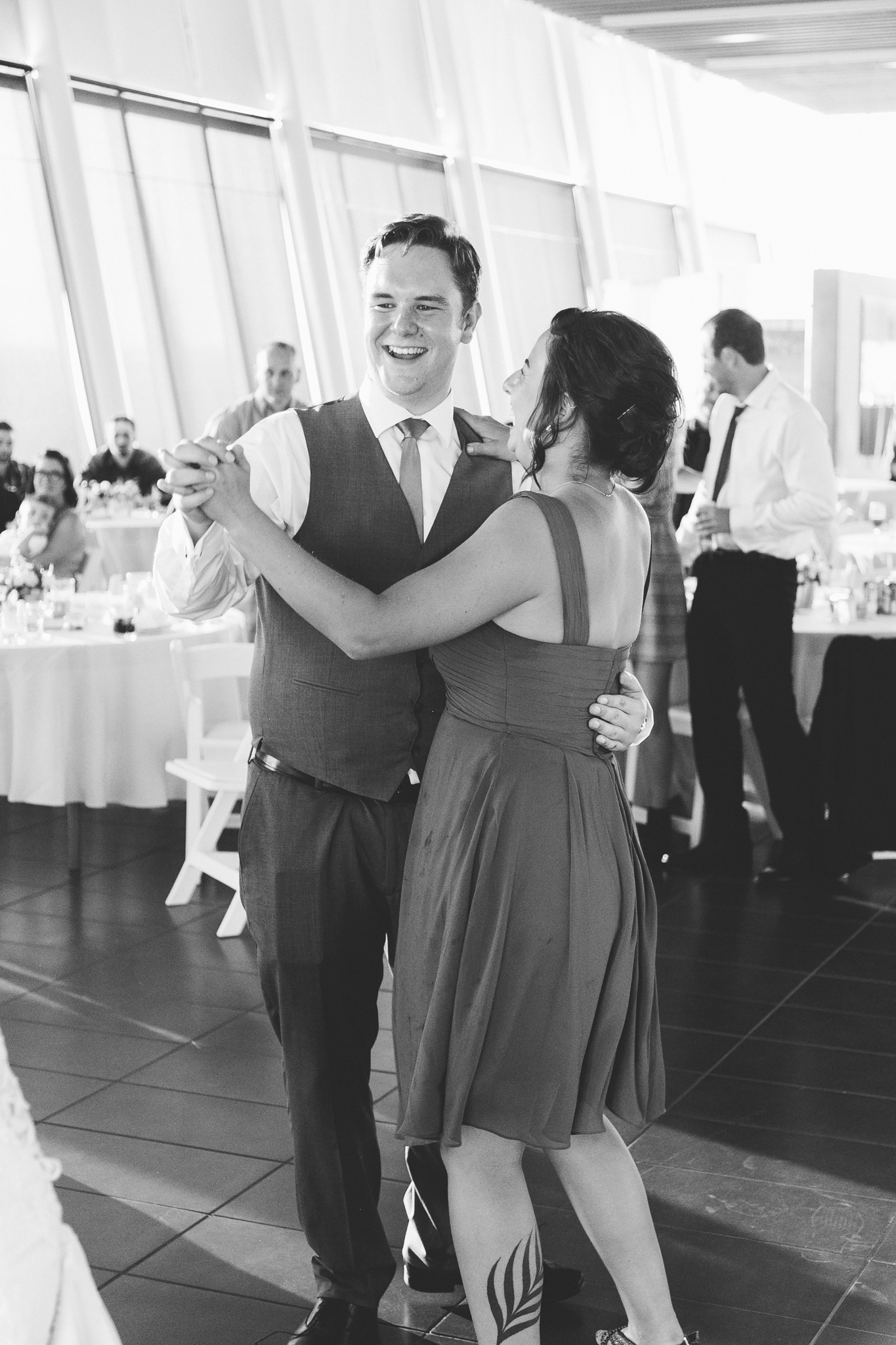 lethbridge-wedding-photographer-love-and-be-loved-photography-trent-danielle-galt-reception-picture-image-photo-211.jpg
