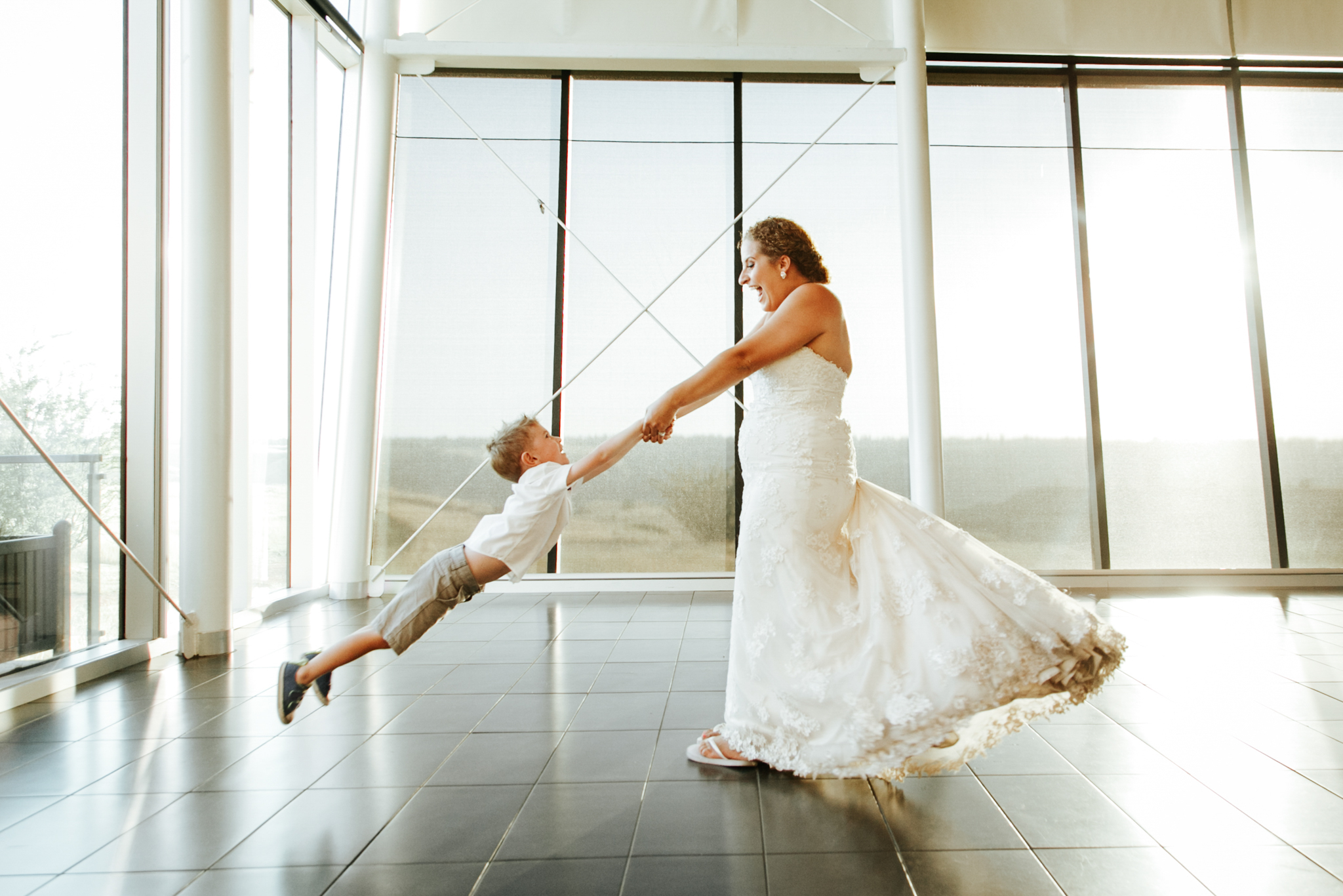 lethbridge-wedding-photographer-love-and-be-loved-photography-trent-danielle-galt-reception-picture-image-photo-223.jpg