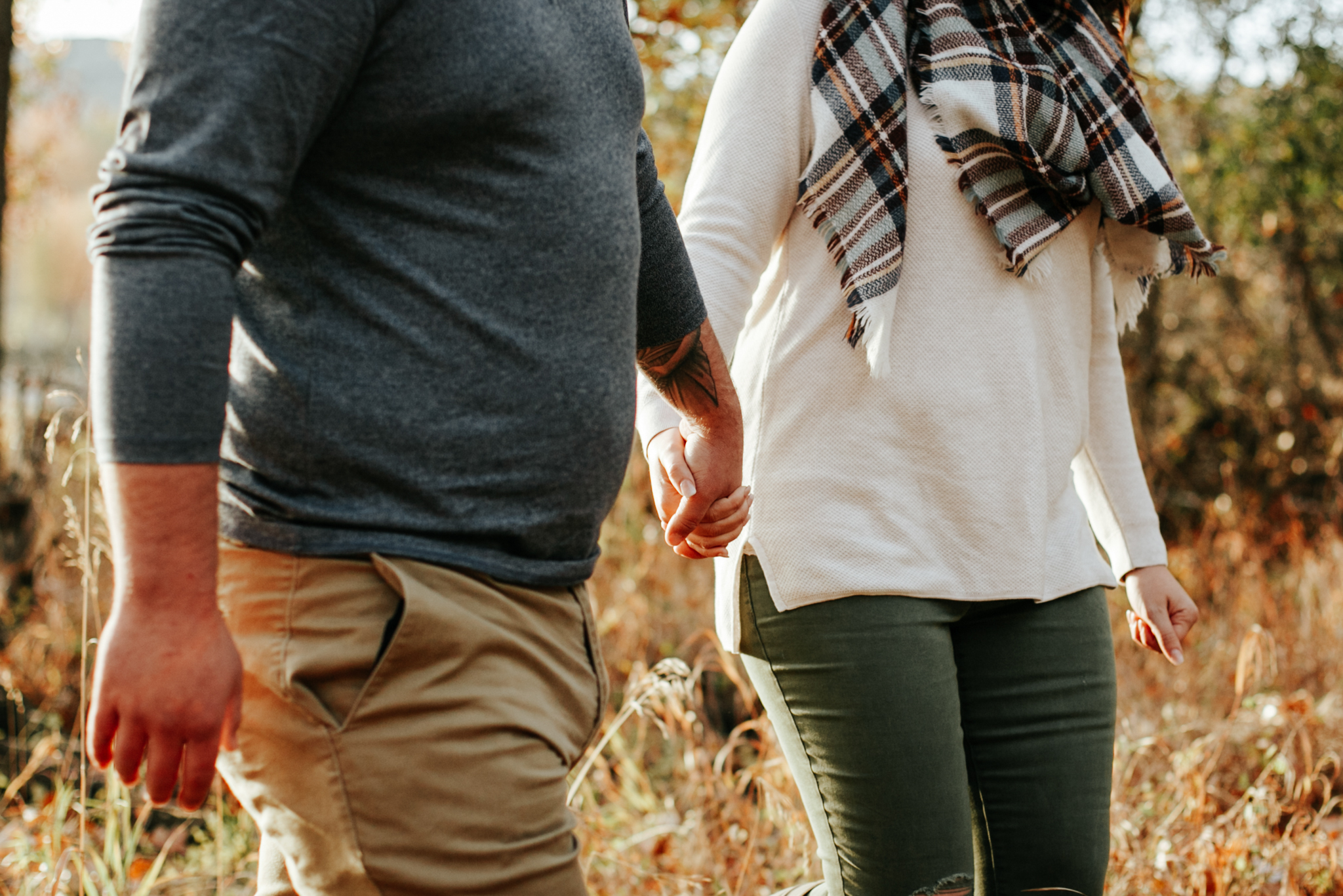 lethbridge-photographer-love-and-be-loved-photography-christy-bryan-fall-autumn-engagement-photo-image-picture-20.jpg