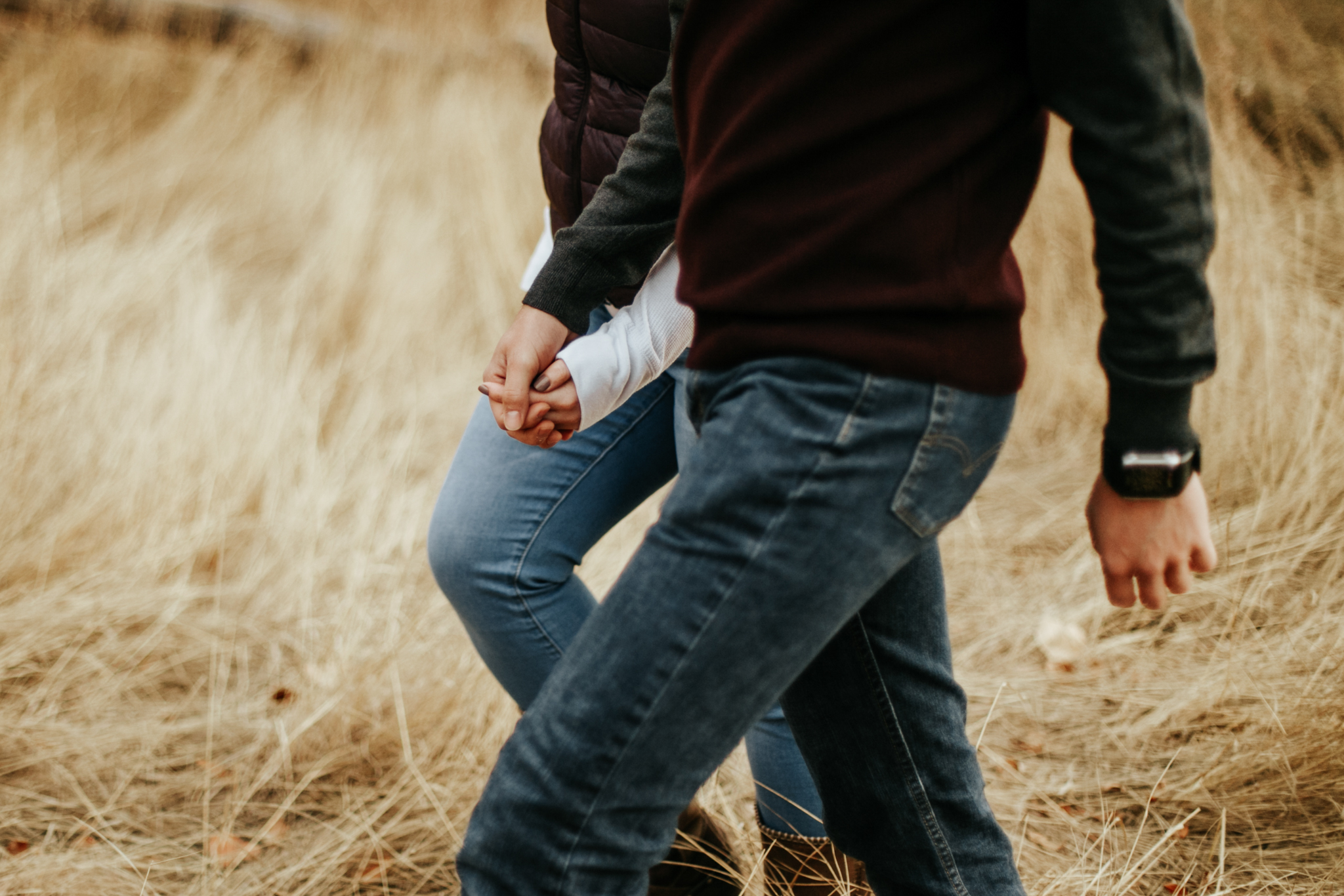 lethbridge-photographer-love-and-be-loved-photography-indian-battle-park-engagement-mike-carmel-photo-image-picture-11.jpg