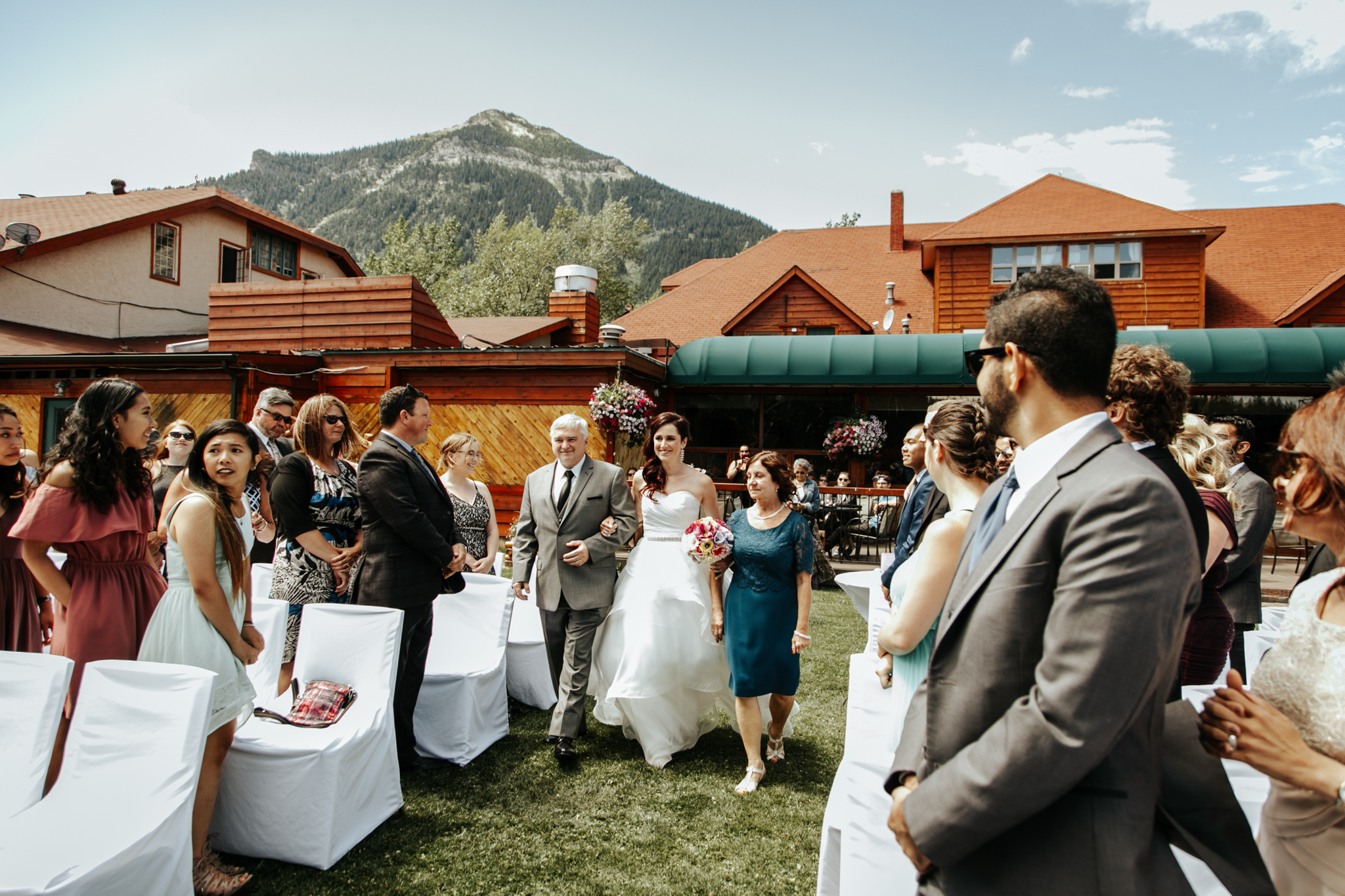 waterton-wedding-photographer-love-and-be-loved-photography-lethbridge-calgary-adam-jodie-image-picture-photo-36.jpg