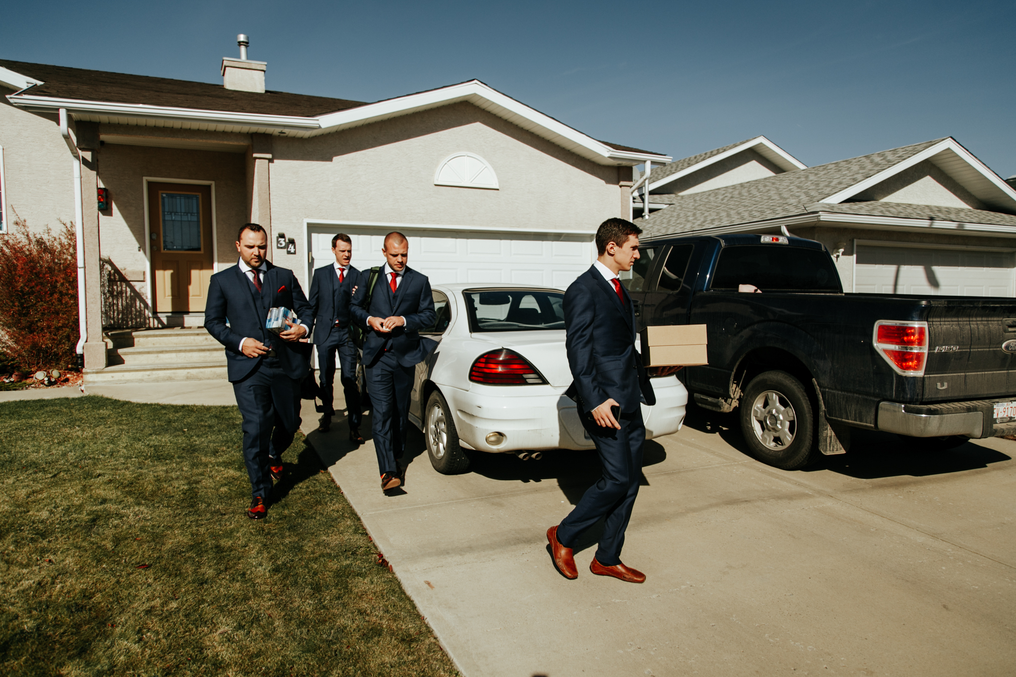 lethbridge-wedding-photographer-love-and-be-loved-photography-groom-prep-photo-image-picture-18.jpg