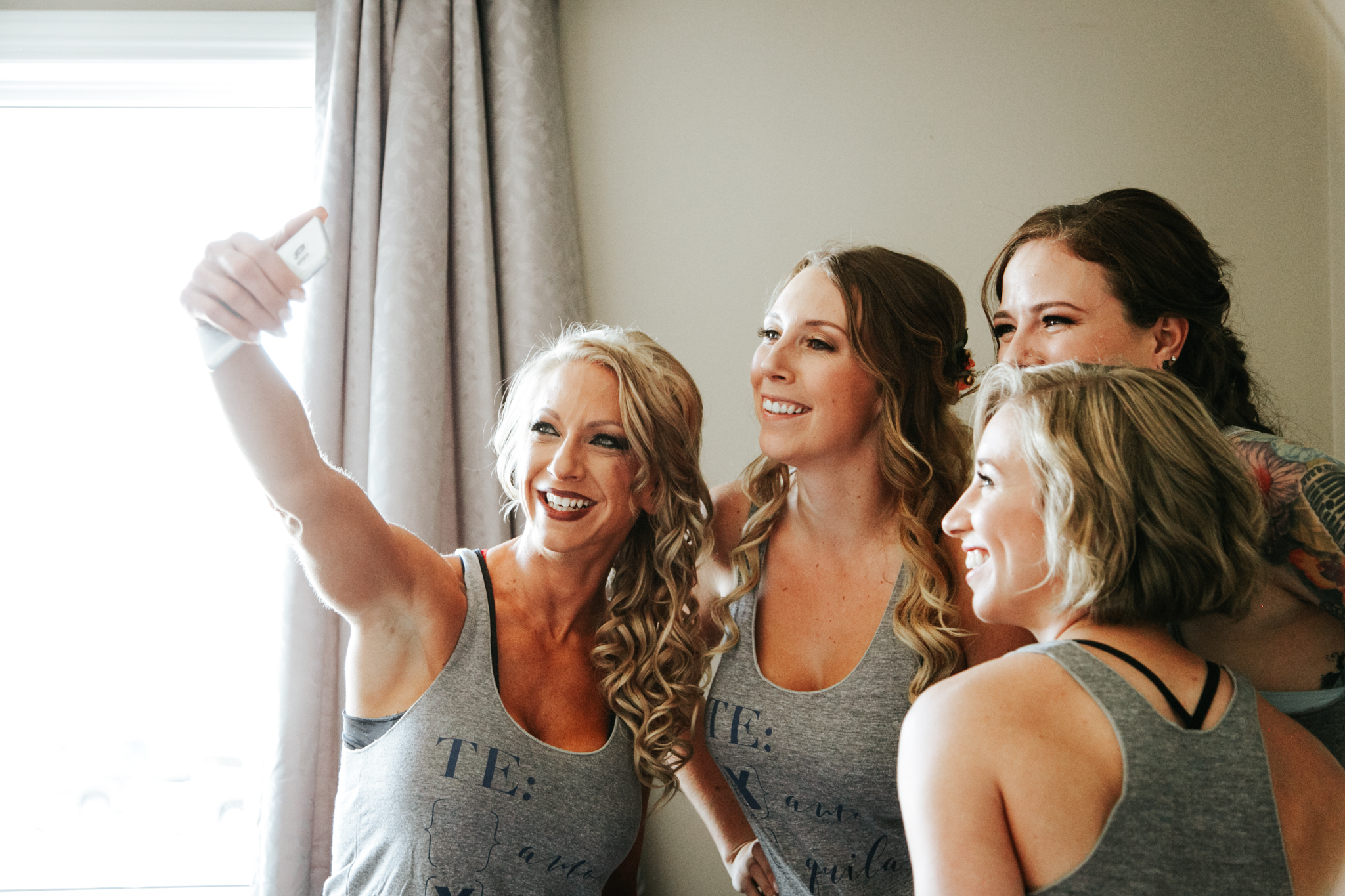 lethbridge-wedding-photographer-love-and-be-loved-photography-bride-prep-photo-image-picture-4.jpg