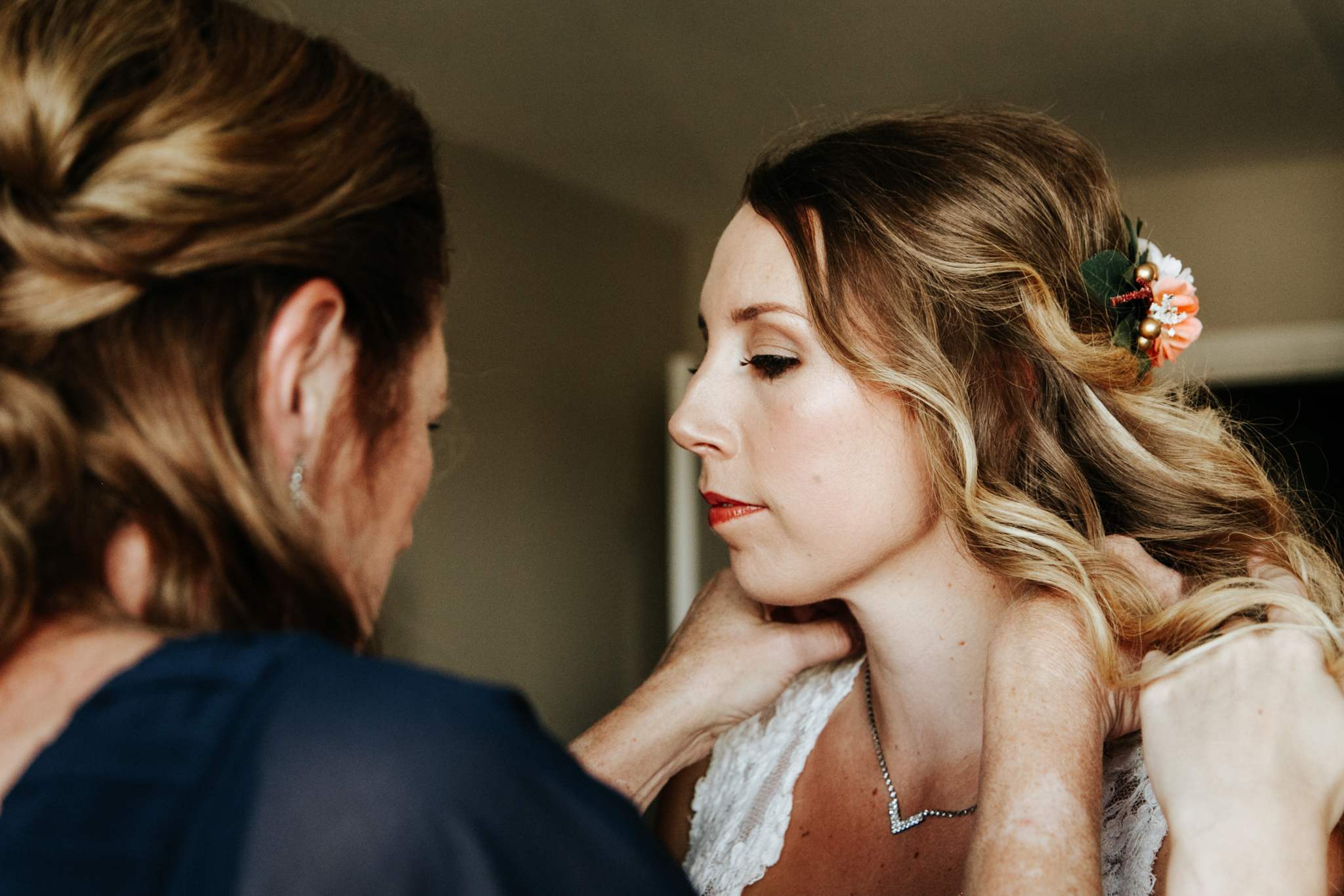lethbridge-wedding-photographer-love-and-be-loved-photography-bride-prep-photo-image-picture-9.jpg
