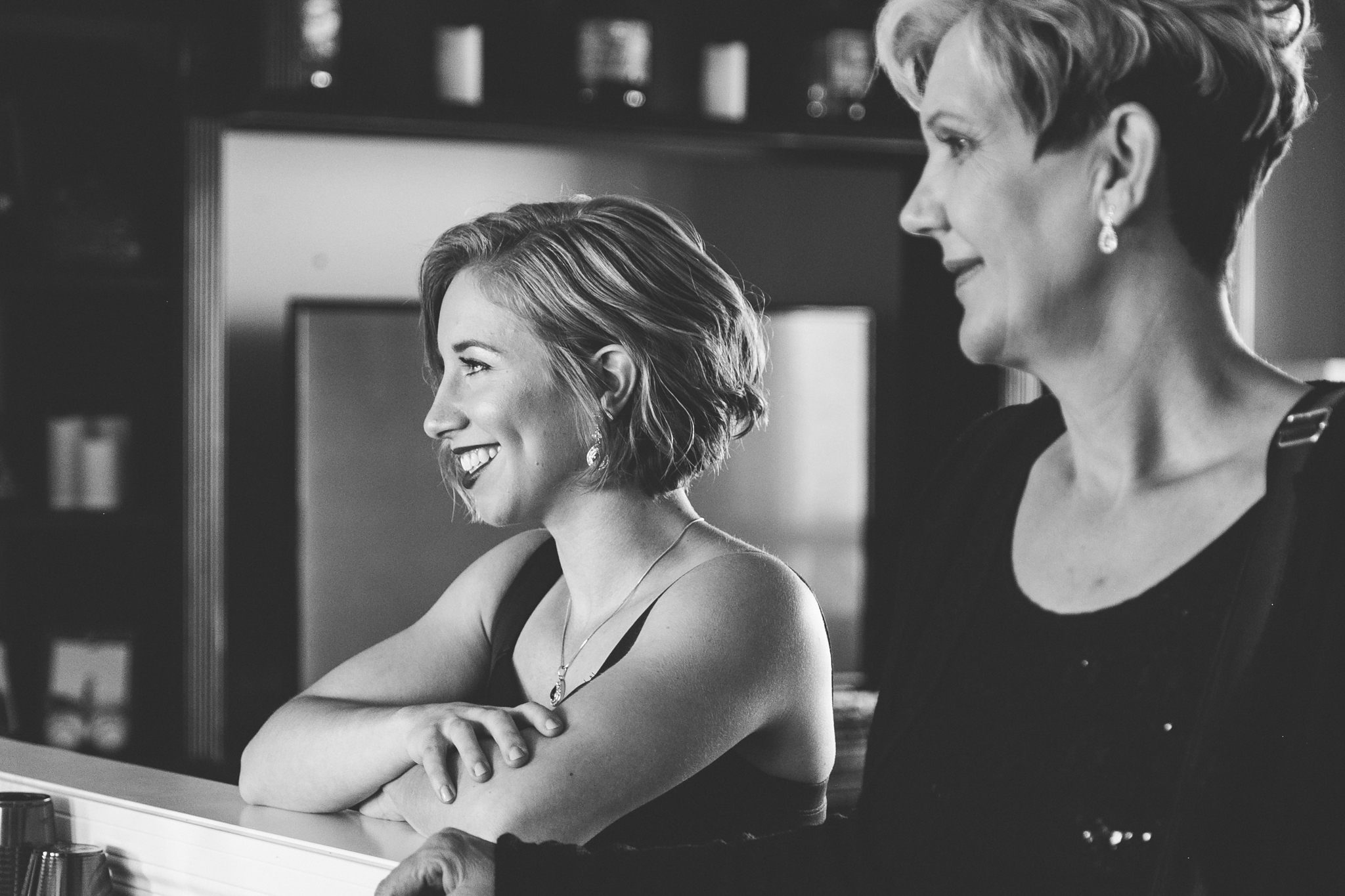 lethbridge-wedding-photographer-love-and-be-loved-photography-bride-prep-photo-image-picture-13.jpg