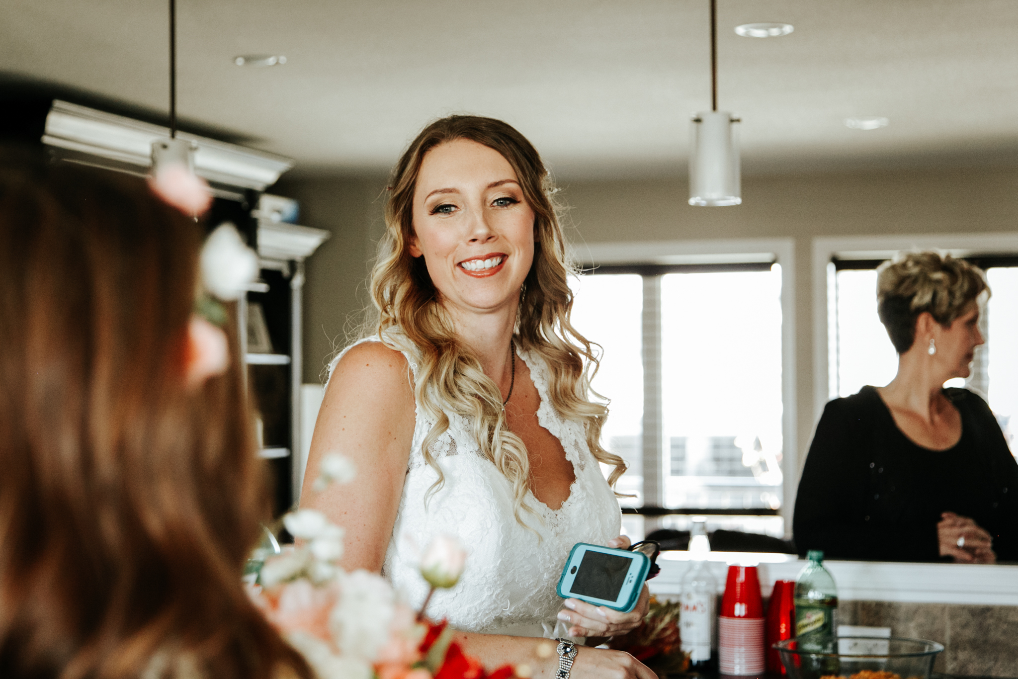 lethbridge-wedding-photographer-love-and-be-loved-photography-bride-prep-photo-image-picture-15.jpg