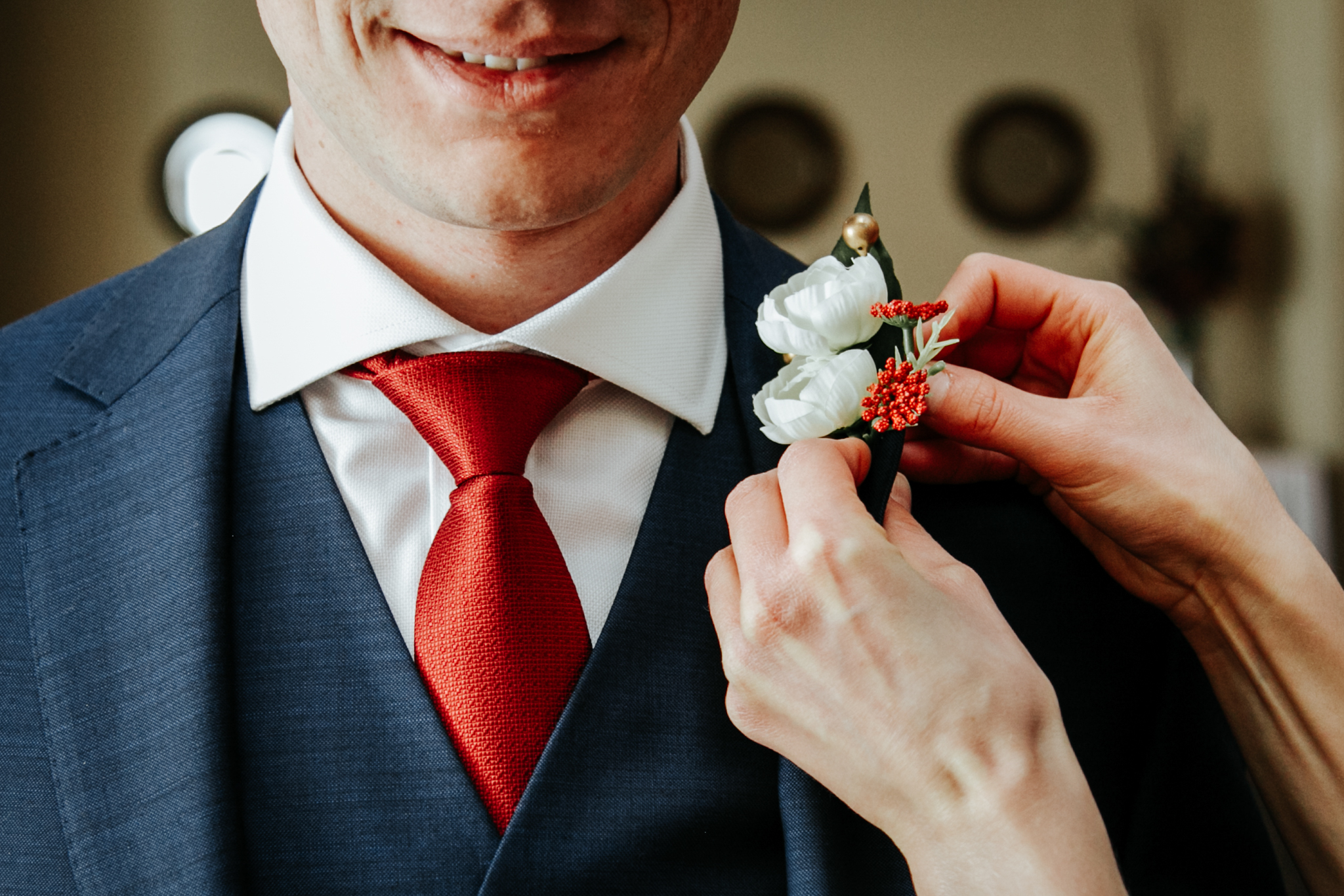 lethbridge-wedding-photographer-love-and-be-loved-photography-groom-prep-photo-image-picture-19.jpg